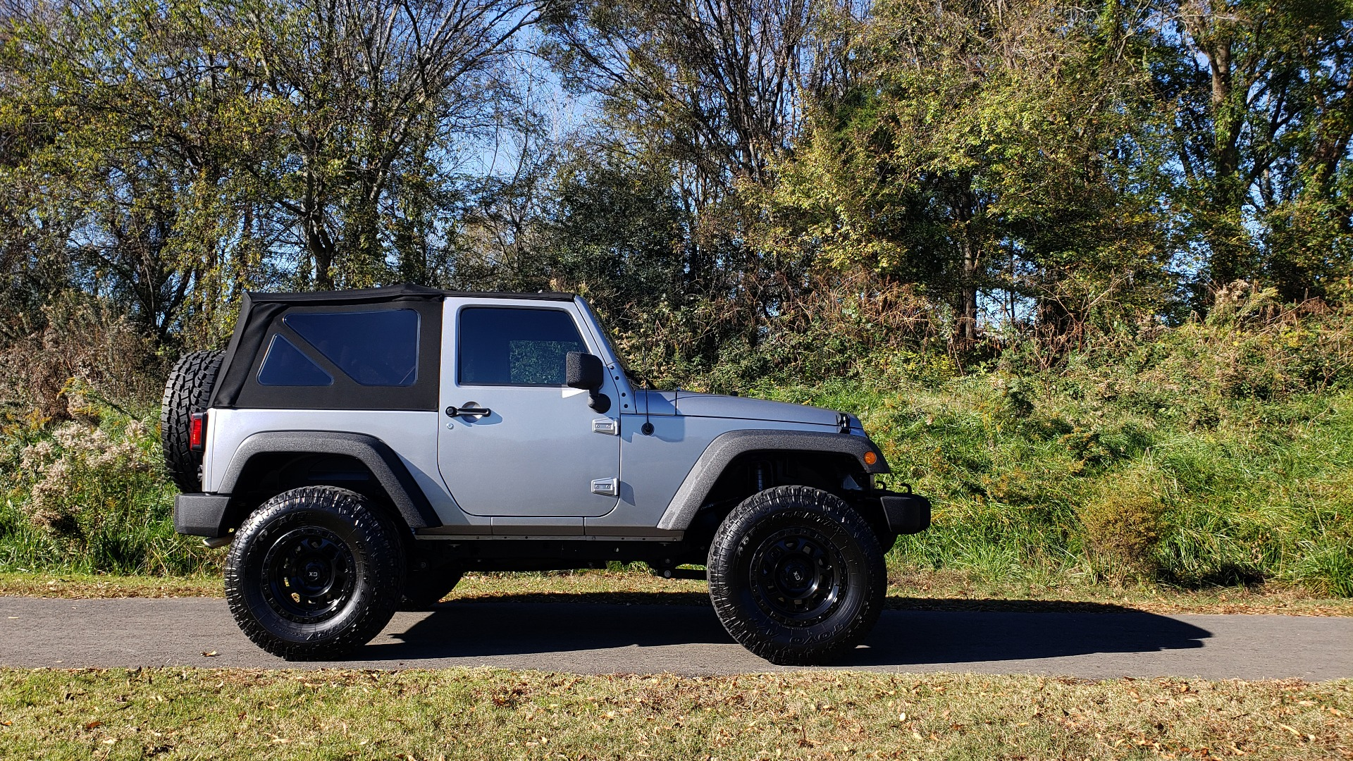 Used 2017 Jeep WRANGLER SPORT 4X4 / 3.6L V6 / MANUAL / AIR / LED LIGHTING / TOW GRP / AL for sale $26,495 at Formula Imports in Charlotte NC 28227 9