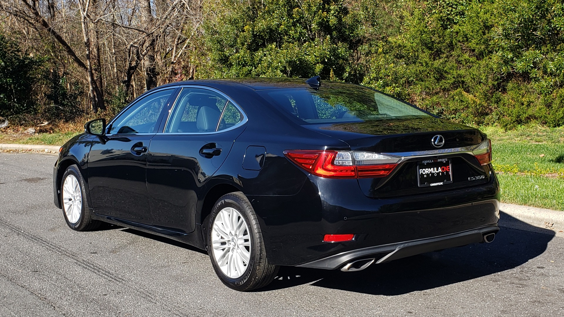 Used 2017 Lexus ES 350 PREMIUM / NAV / SUNROOF / BSM / VENT STS / REARVIEW for sale $24,795 at Formula Imports in Charlotte NC 28227 3