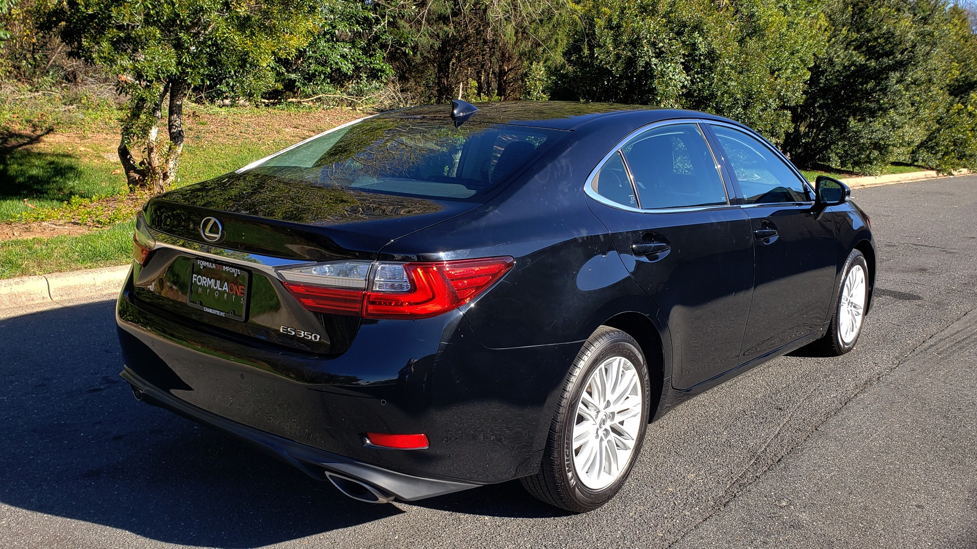 Used 2017 Lexus ES 350 PREMIUM / NAV / SUNROOF / BSM / VENT STS / REARVIEW for sale $24,795 at Formula Imports in Charlotte NC 28227 6