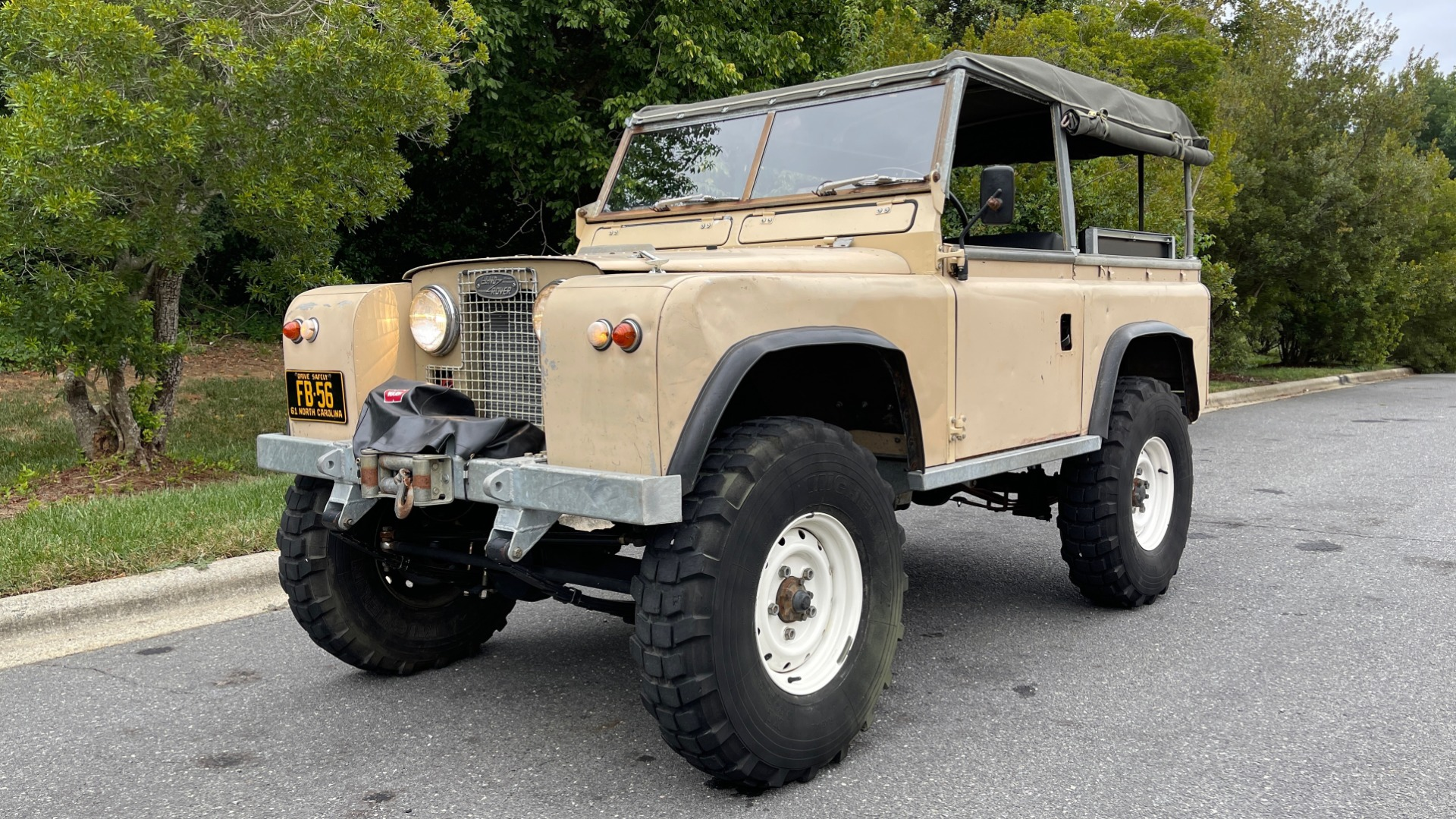 Used 1960 Land Rover 88 SERIES II VORTEC 4.8L V8 / 4X4 / 4-SPEED MANUAL / LIFTED / SOFT-TOP for sale $40,995 at Formula Imports in Charlotte NC 28227 4