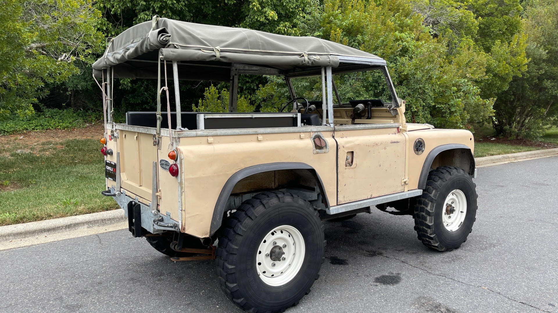 Used 1960 Land Rover 88 SERIES II VORTEC 4.8L V8 / 4X4 / 4-SPEED MANUAL / LIFTED / SOFT-TOP for sale $40,995 at Formula Imports in Charlotte NC 28227 40