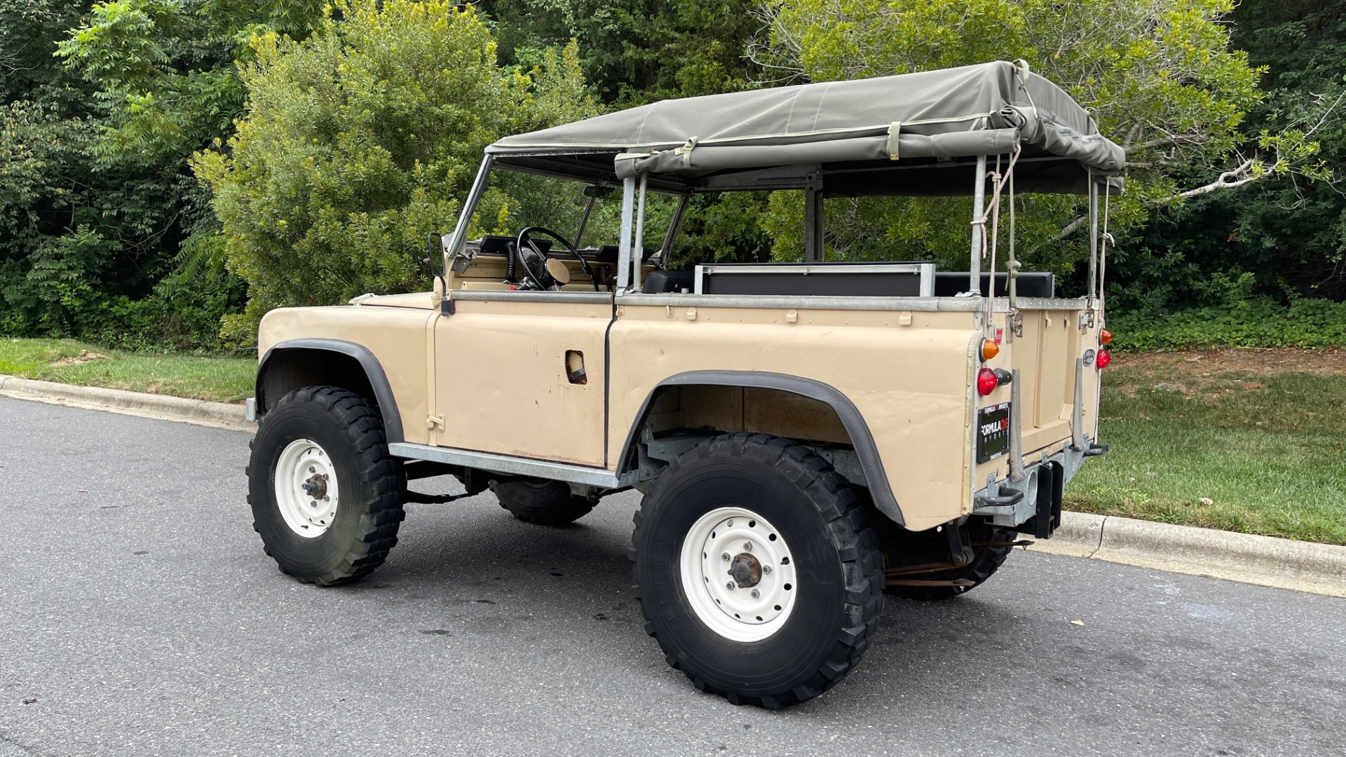 Used 1960 Land Rover 88 SERIES II VORTEC 4.8L V8 / 4X4 / 4-SPEED MANUAL / LIFTED / SOFT-TOP for sale $40,995 at Formula Imports in Charlotte NC 28227 6