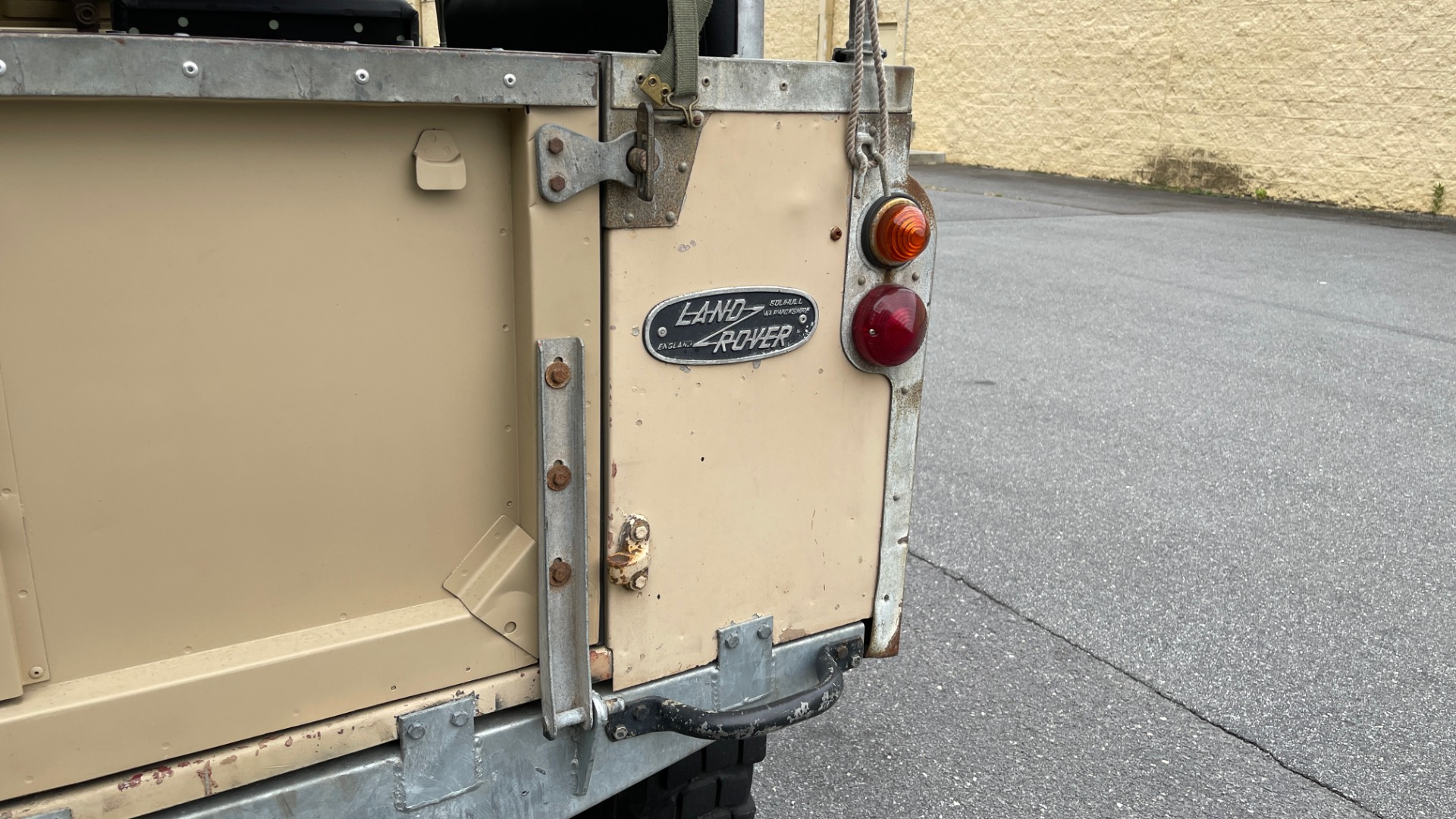 Used 1960 Land Rover 88 SERIES II VORTEC 4.8L V8 / 4X4 / 4-SPEED MANUAL / LIFTED / SOFT-TOP for sale $40,995 at Formula Imports in Charlotte NC 28227 9
