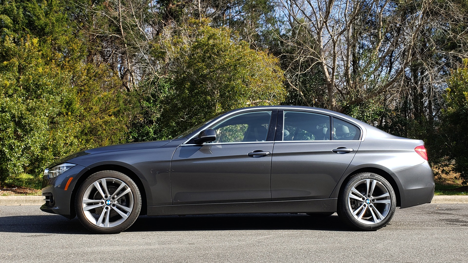 Used 2017 BMW 3 SERIES 330I PREMIUM / DRVR ASST / NAV / SUNROOF / HTD STS / REARVIEW for sale Sold at Formula Imports in Charlotte NC 28227 2