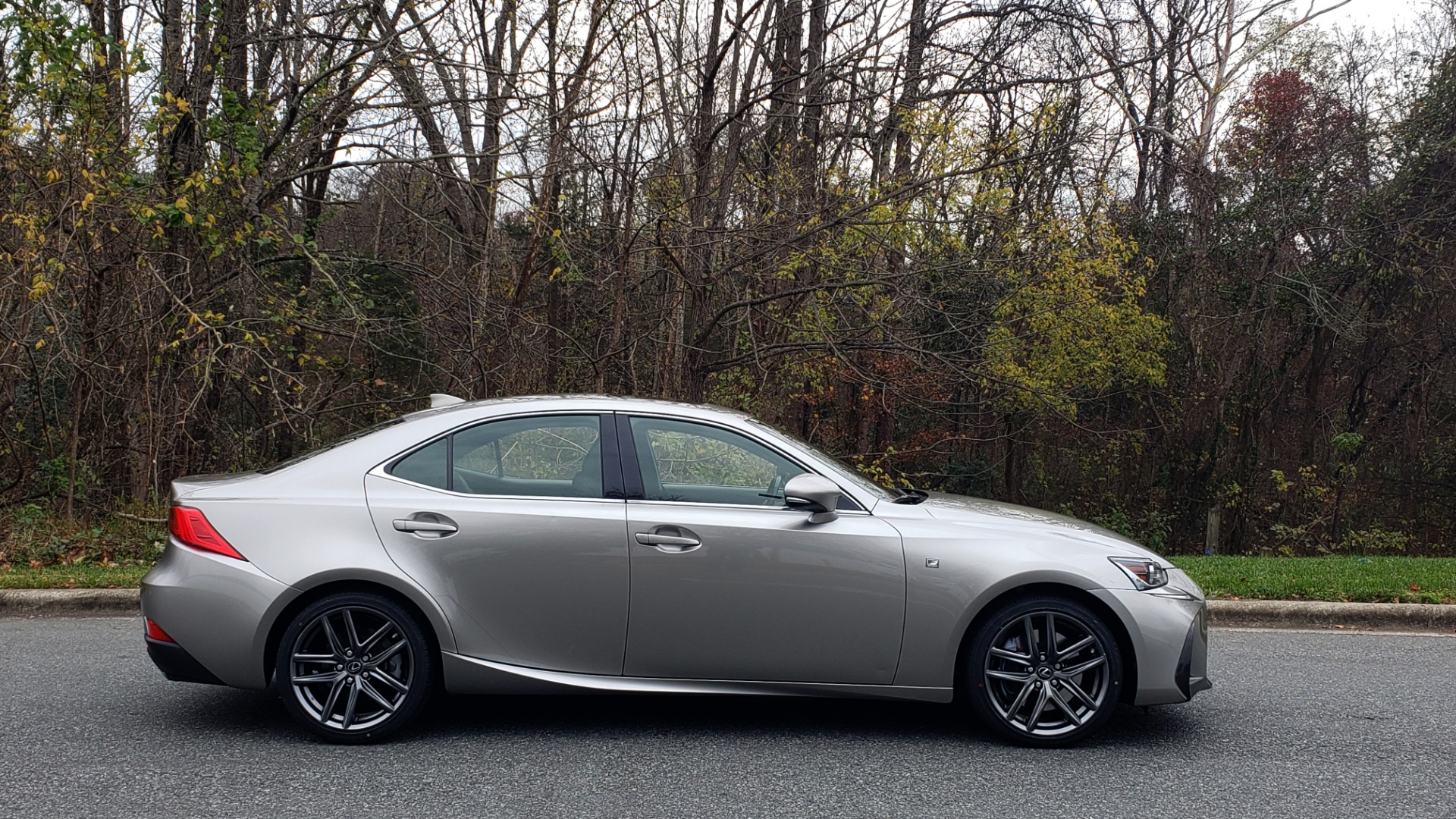 Used 2017 Lexus IS 200 TURBO F-SPORT / BSM / SUNROOF / VENT SEATS / REARVIEW for sale Sold at Formula Imports in Charlotte NC 28227 10
