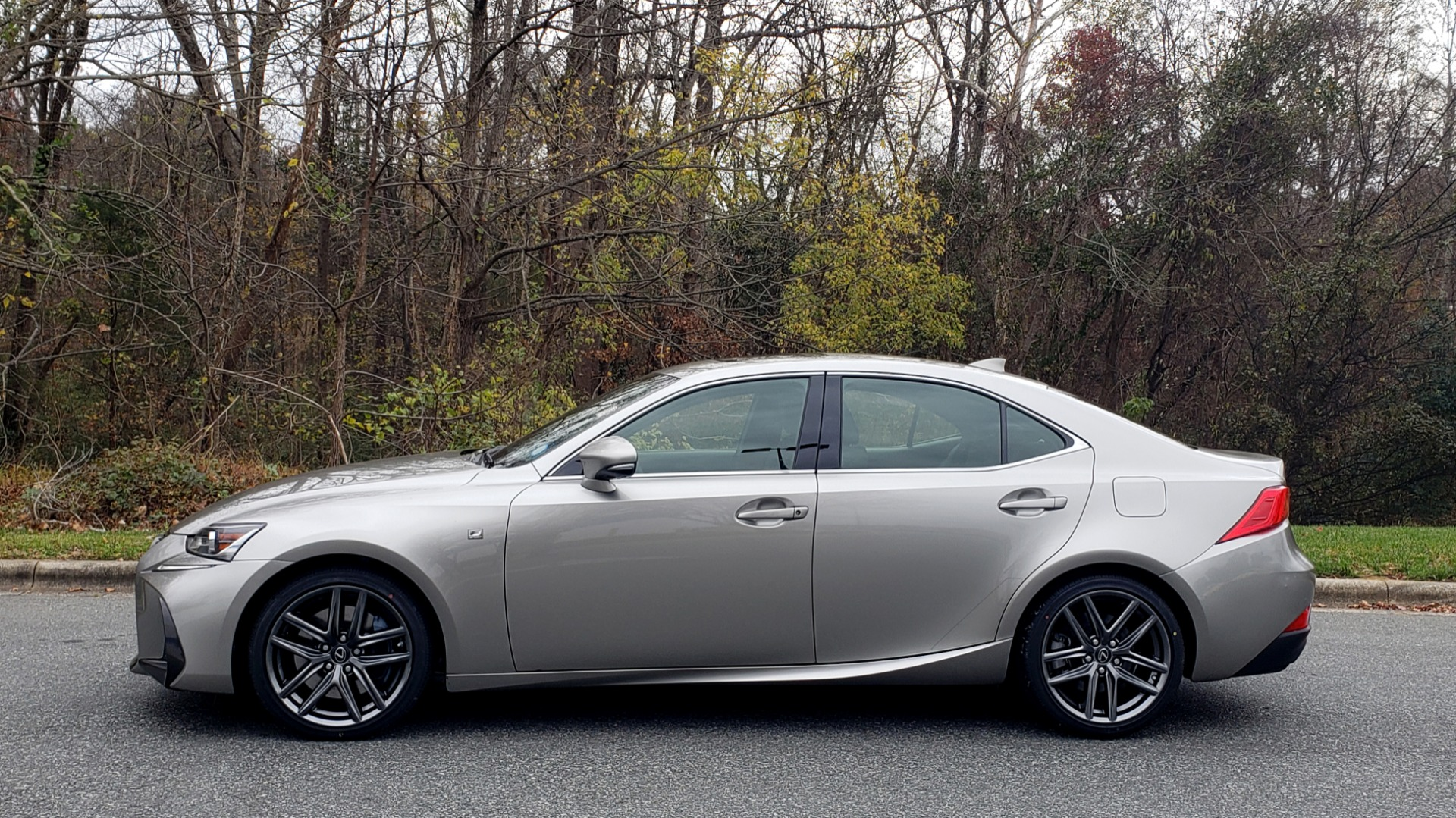 Used 2017 Lexus IS 200 TURBO F-SPORT / BSM / SUNROOF / VENT SEATS / REARVIEW for sale Sold at Formula Imports in Charlotte NC 28227 2