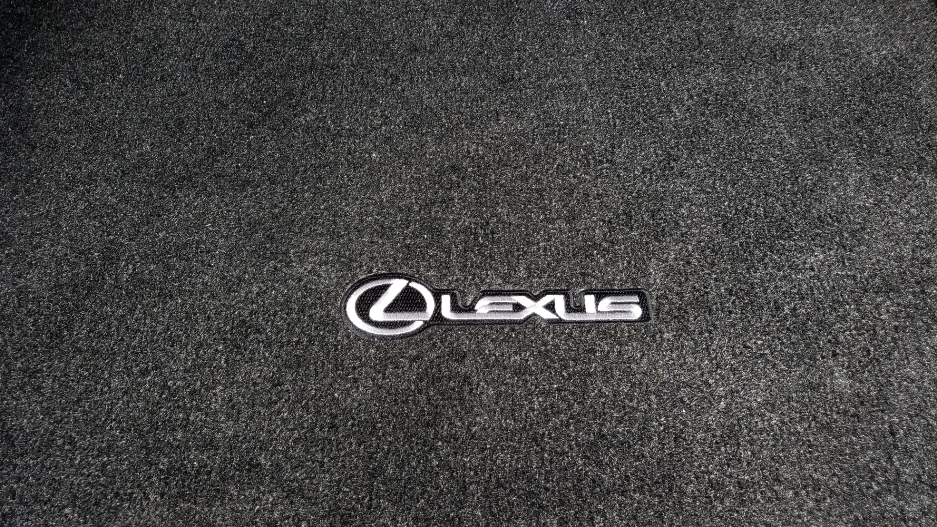 Used 2017 Lexus IS 200 TURBO F-SPORT / BSM / SUNROOF / VENT SEATS / REARVIEW for sale Sold at Formula Imports in Charlotte NC 28227 21