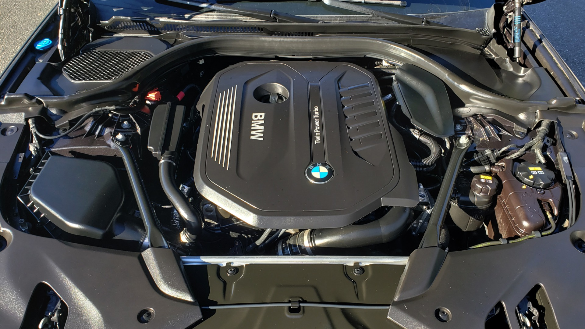 Used 2018 BMW 5 SERIES 540I M-SPORT / DRVR ASST / EXEC PKG / NAV / SUNROOF / HUD / REARVIEW for sale Sold at Formula Imports in Charlotte NC 28227 12