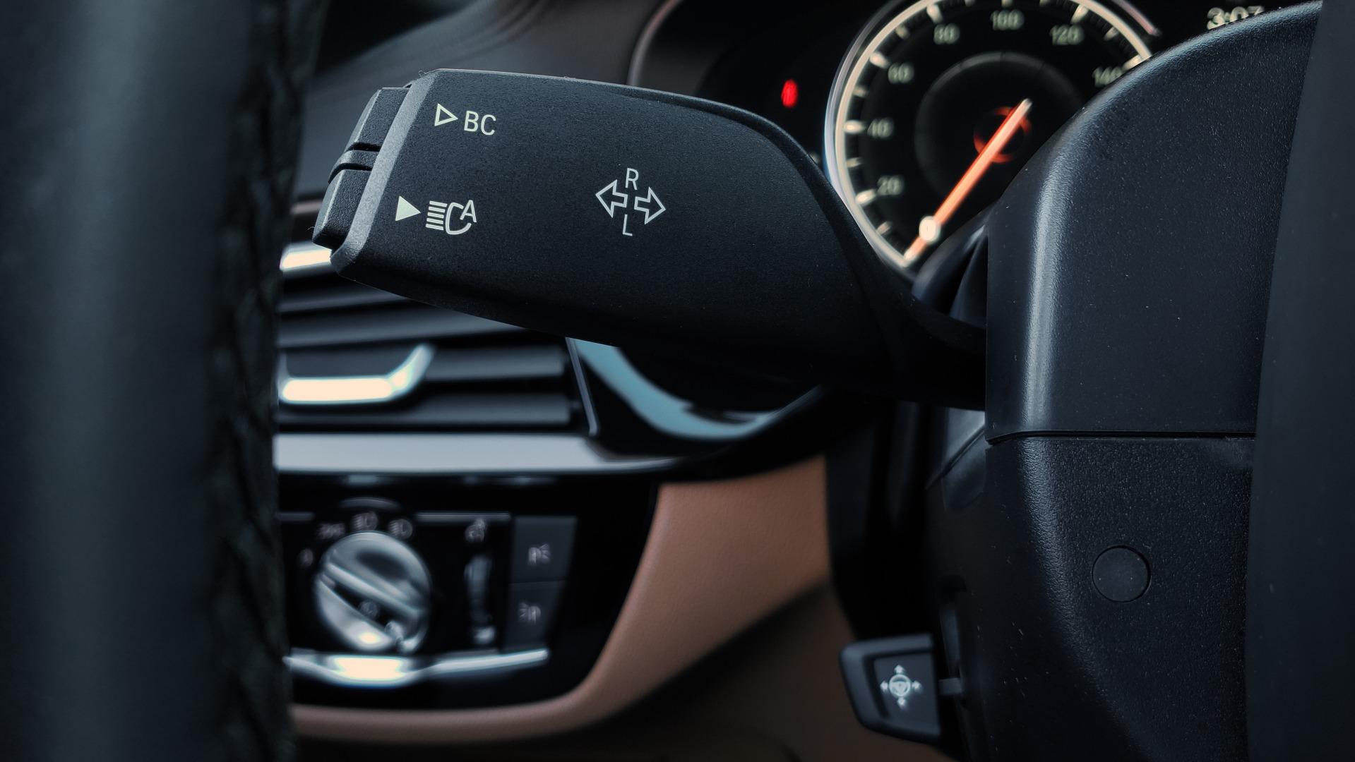 Used 2018 BMW 5 SERIES 540I M-SPORT / DRVR ASST / EXEC PKG / NAV / SUNROOF / HUD / REARVIEW for sale Sold at Formula Imports in Charlotte NC 28227 43