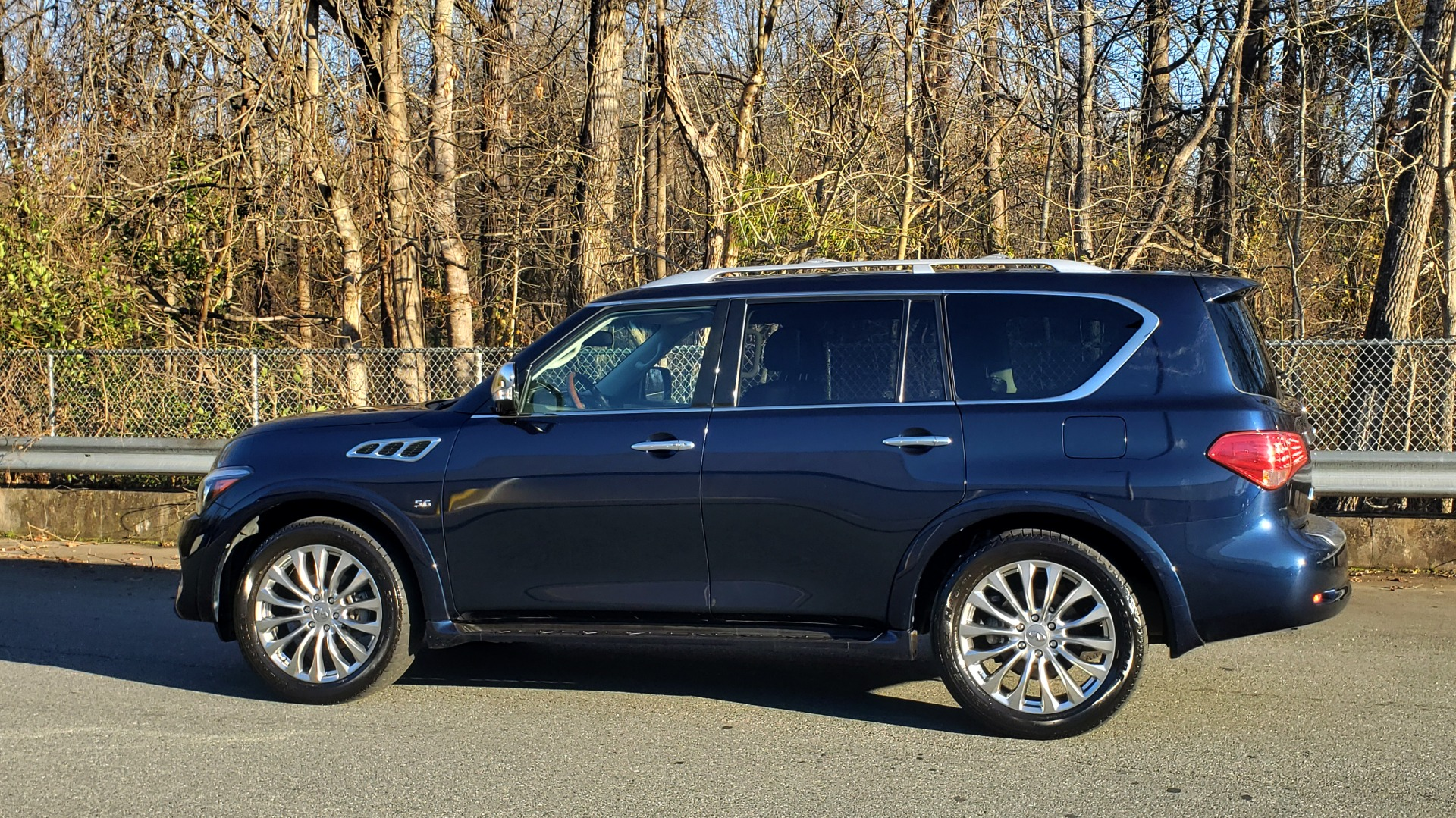 Used 2017 INFINITI QX80 4WD / NAV / SUNROOF / 3-ROW / THEATER PKG / REARVIEW for sale $46,495 at Formula Imports in Charlotte NC 28227 3
