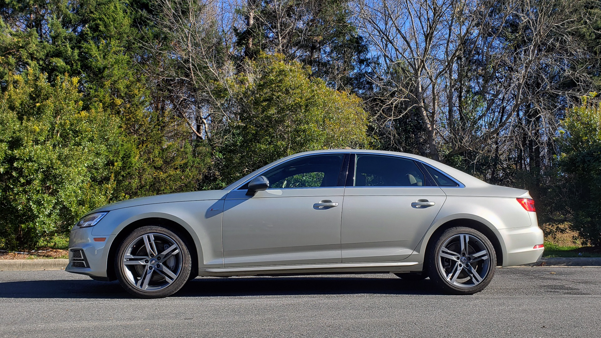 Used 2017 Audi A4 PREMIUM PLUS / TECH PKG / B&O SND / S-LINE / NAV / REARVIEW for sale $24,995 at Formula Imports in Charlotte NC 28227 2
