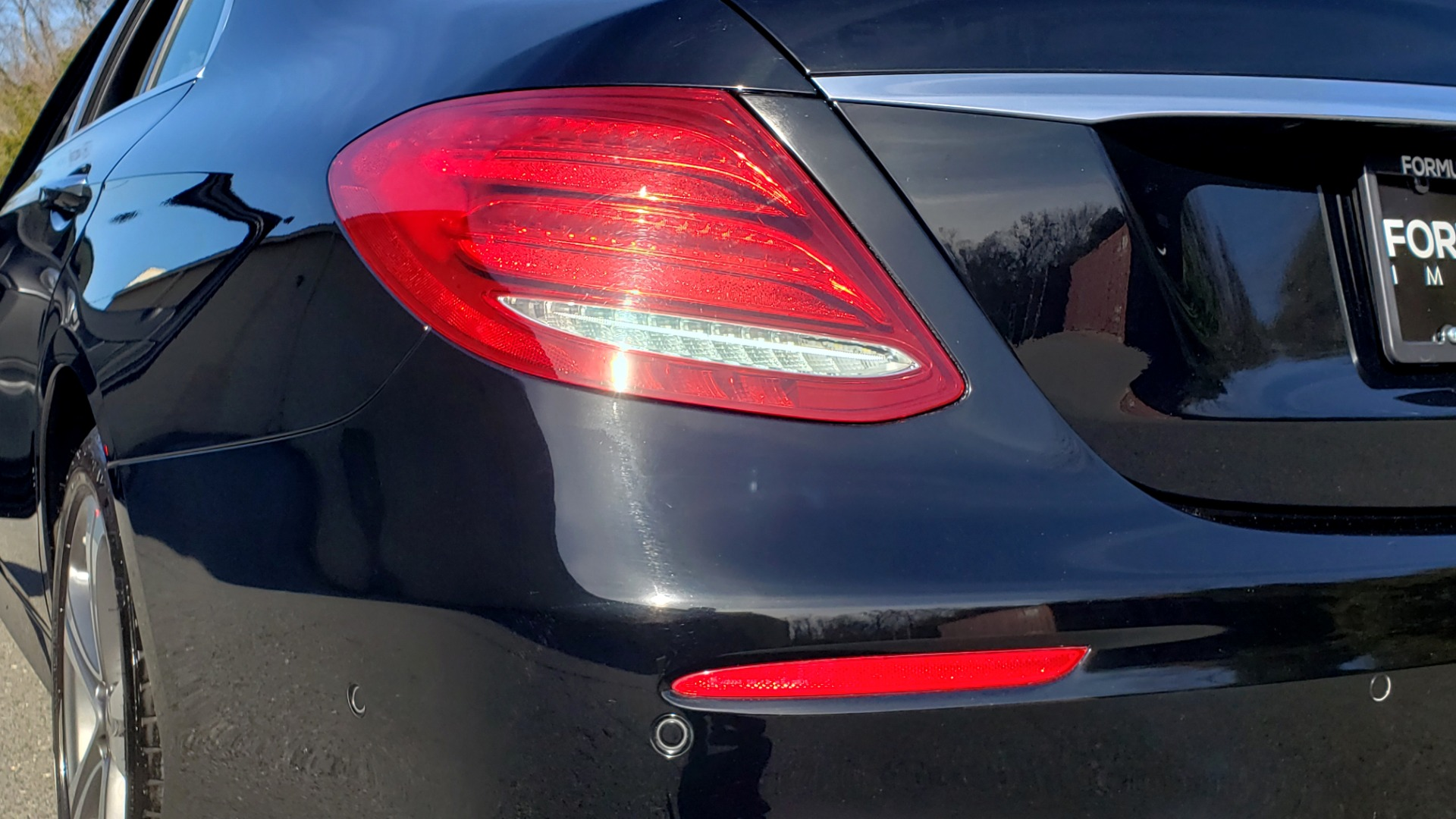 Used 2017 Mercedes-Benz E-CLASS E 300 PREMIUM / NAV / SUNROOF / BURMESTER / HTD STS / REARVIEW for sale $29,995 at Formula Imports in Charlotte NC 28227 30