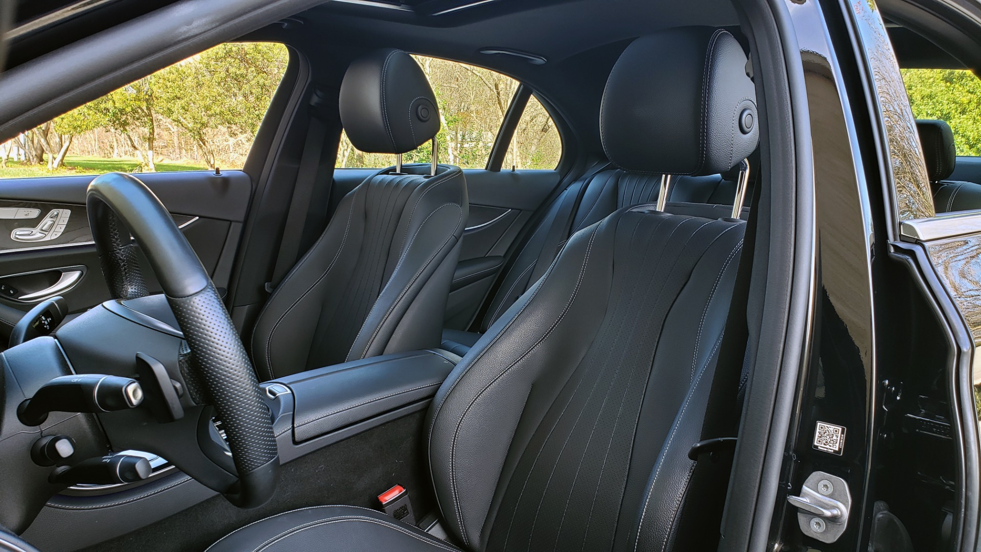 Used 2017 Mercedes-Benz E-CLASS E 300 PREMIUM / NAV / SUNROOF / BURMESTER / HTD STS / REARVIEW for sale $29,995 at Formula Imports in Charlotte NC 28227 38