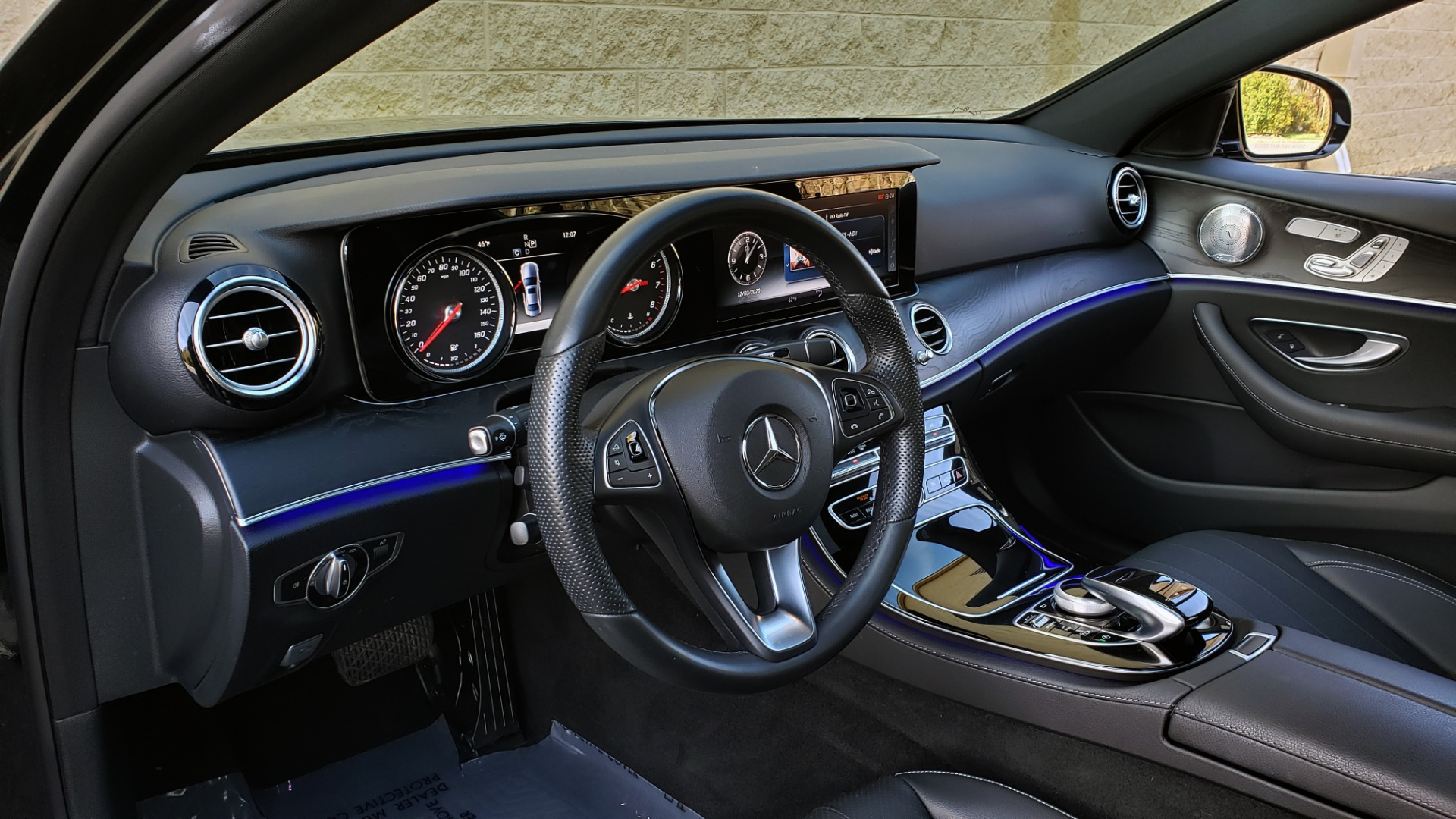 Used 2017 Mercedes-Benz E-CLASS E 300 PREMIUM / NAV / SUNROOF / BURMESTER / HTD STS / REARVIEW for sale $29,995 at Formula Imports in Charlotte NC 28227 39