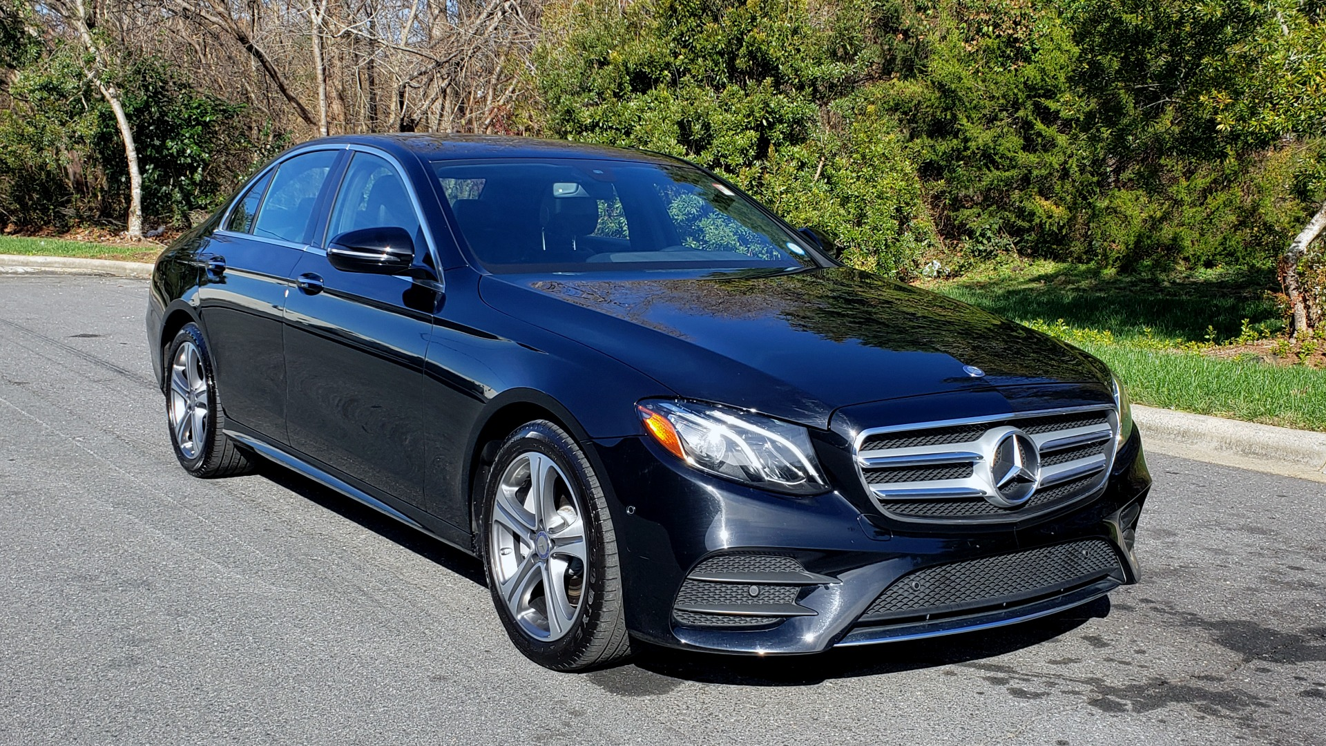 Used 2017 Mercedes-Benz E-CLASS E 300 PREMIUM / NAV / SUNROOF / BURMESTER / HTD STS / REARVIEW for sale $29,995 at Formula Imports in Charlotte NC 28227 4