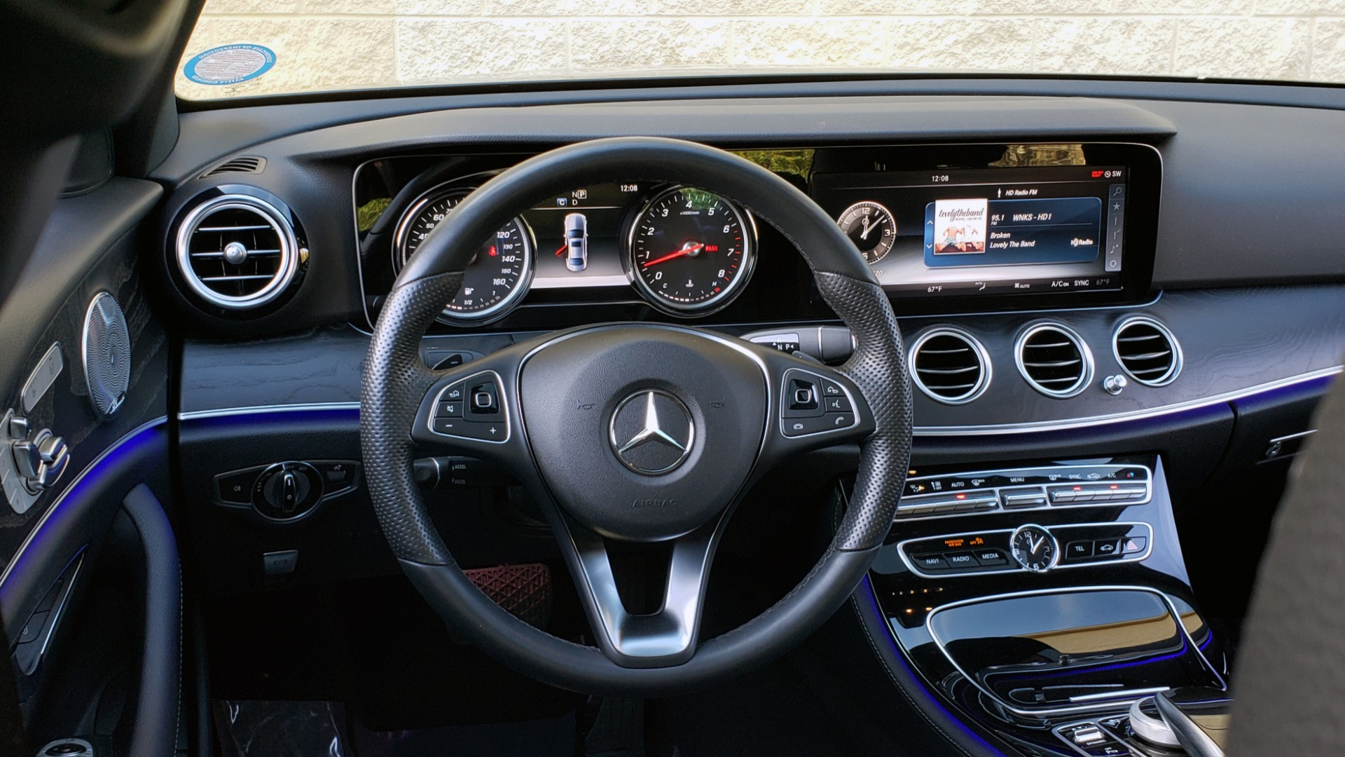 Used 2017 Mercedes-Benz E-CLASS E 300 PREMIUM / NAV / SUNROOF / BURMESTER / HTD STS / REARVIEW for sale $29,995 at Formula Imports in Charlotte NC 28227 40