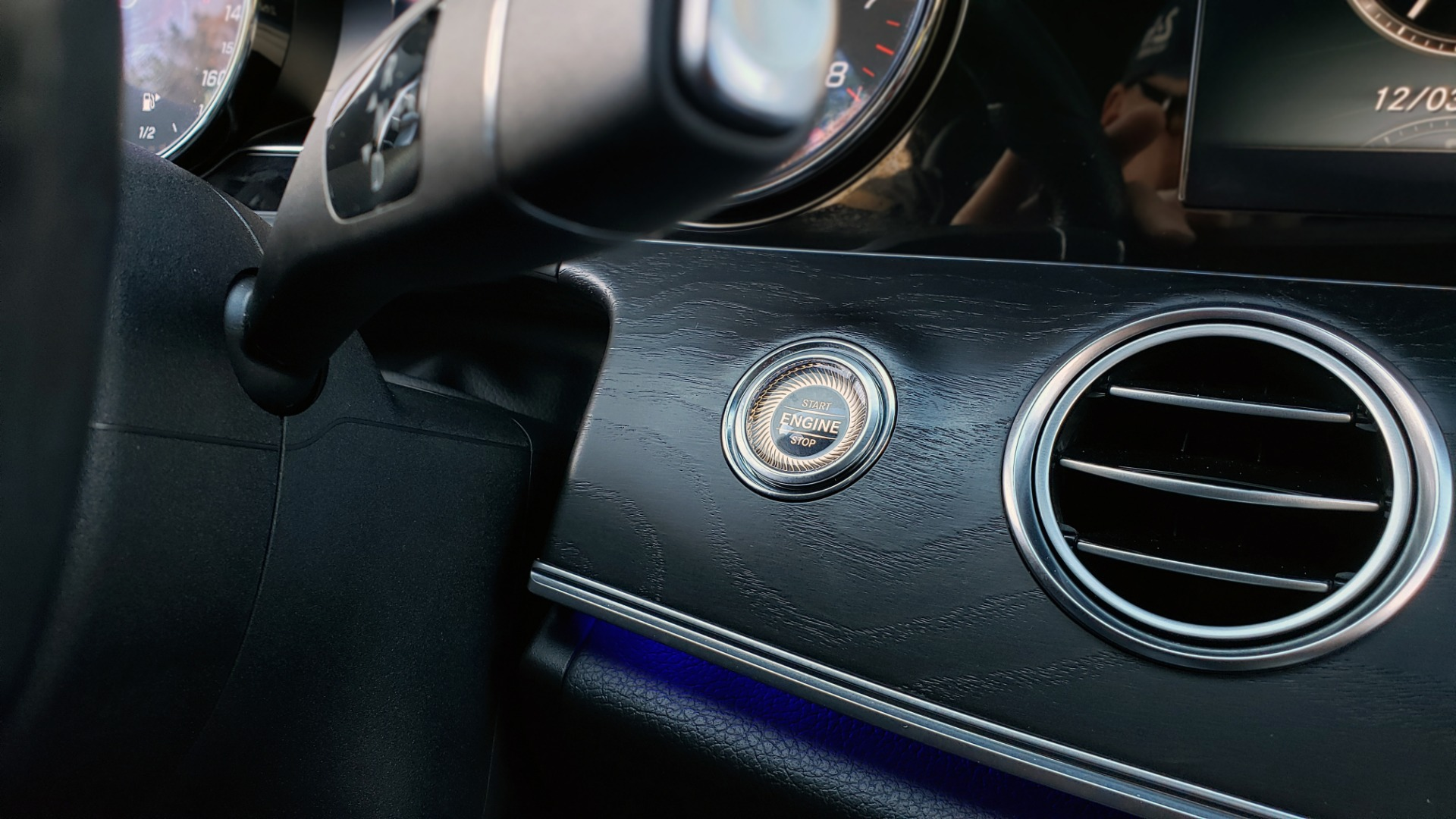 Used 2017 Mercedes-Benz E-CLASS E 300 PREMIUM / NAV / SUNROOF / BURMESTER / HTD STS / REARVIEW for sale $29,995 at Formula Imports in Charlotte NC 28227 48