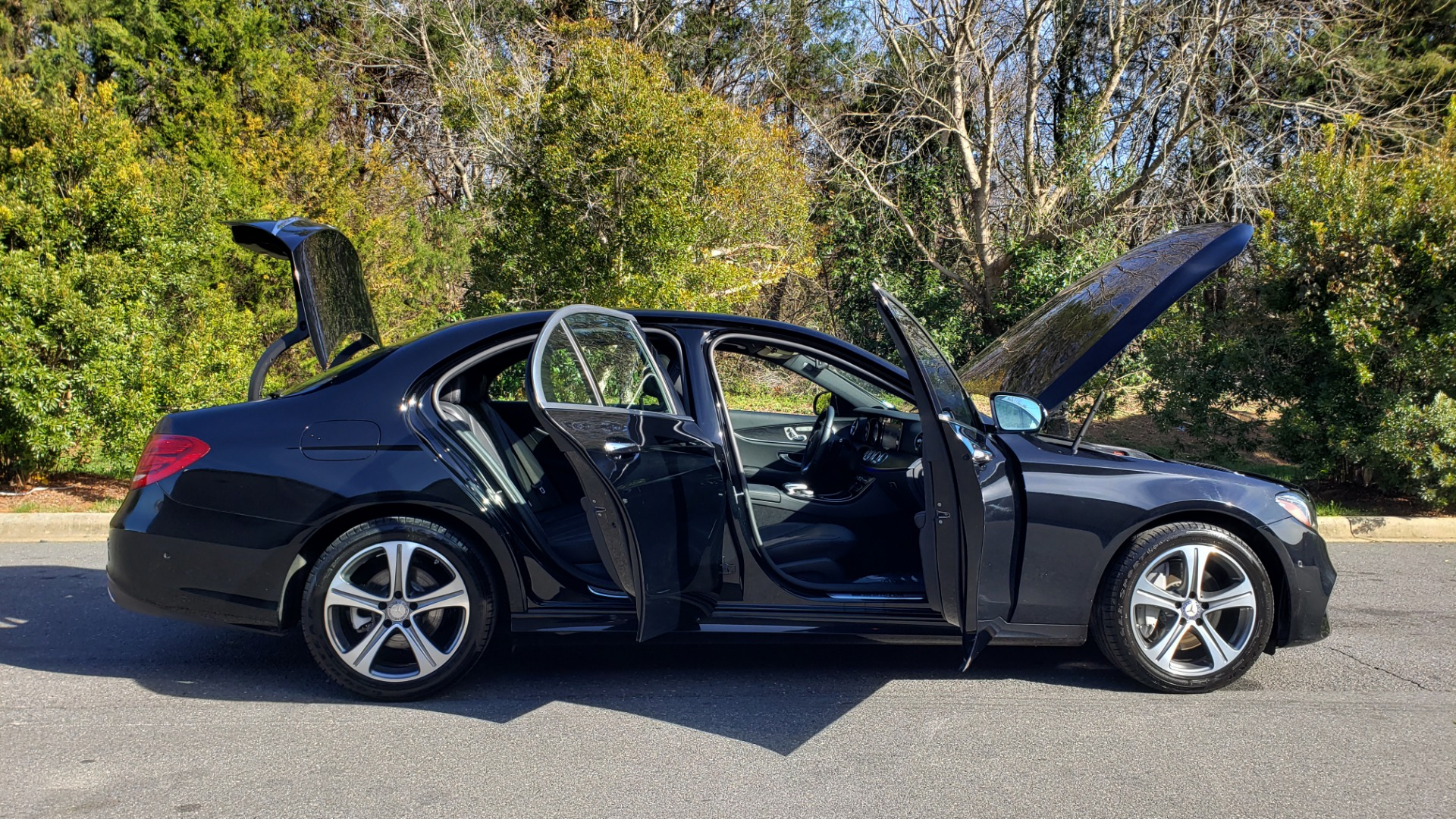 Used 2017 Mercedes-Benz E-CLASS E 300 PREMIUM / NAV / SUNROOF / BURMESTER / HTD STS / REARVIEW for sale $29,995 at Formula Imports in Charlotte NC 28227 9