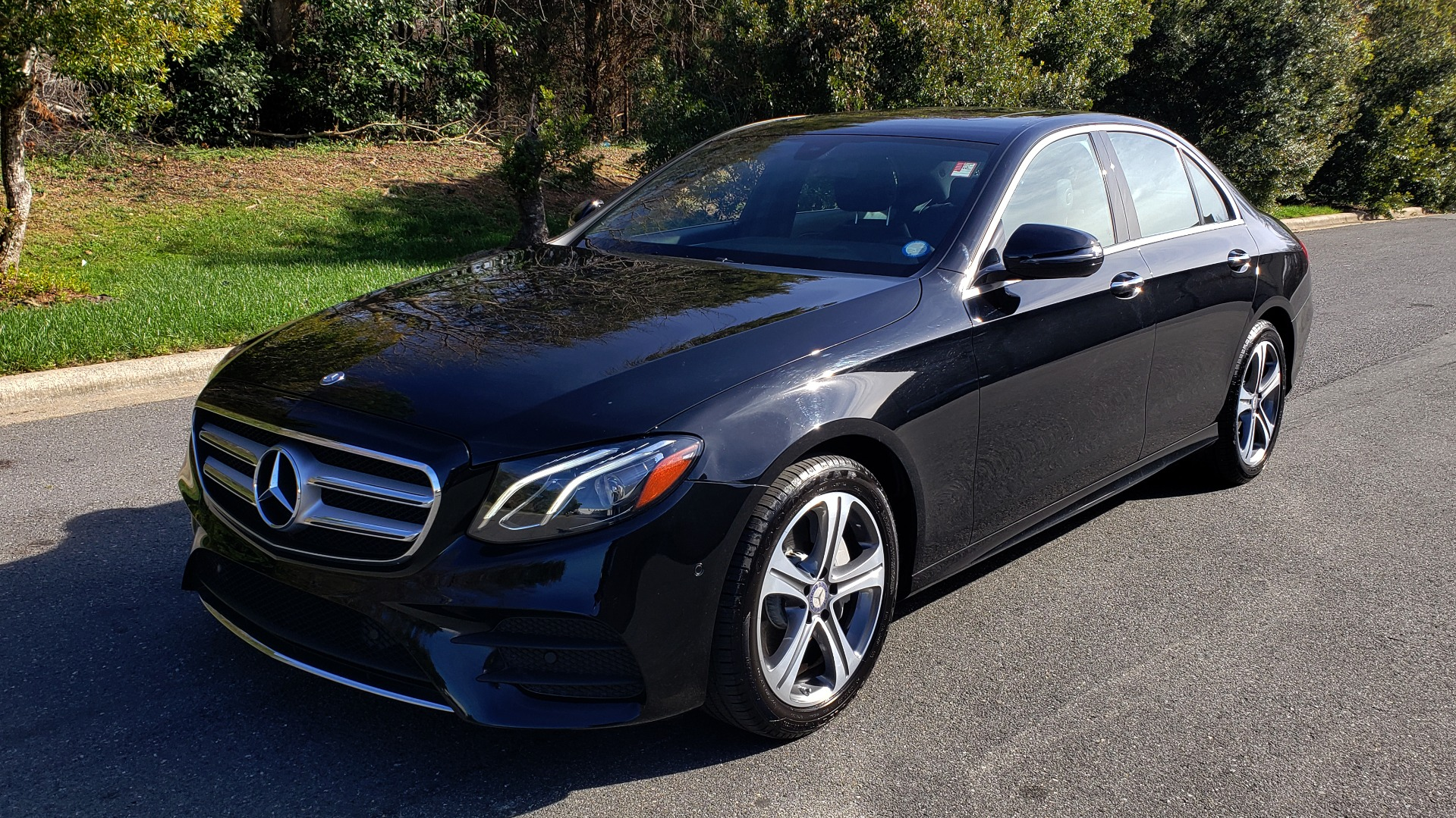 Used 2017 Mercedes-Benz E-CLASS E 300 PREMIUM / NAV / SUNROOF / BURMESTER / HTD STS / REARVIEW for sale $29,995 at Formula Imports in Charlotte NC 28227 1