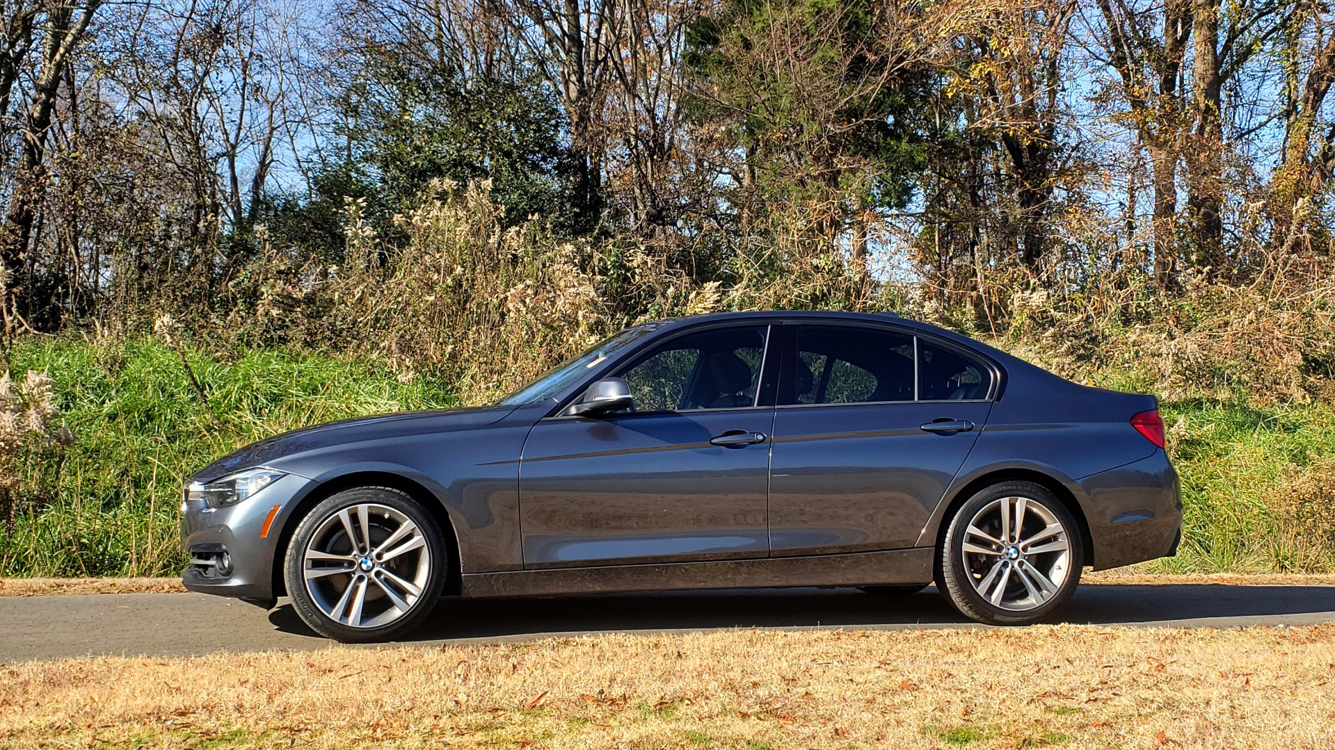 Used 2016 BMW 3 SERIES 328I / DRVR ASST / SUNROOF / PARK DIST CNTRL / REARVIEW for sale Sold at Formula Imports in Charlotte NC 28227 2