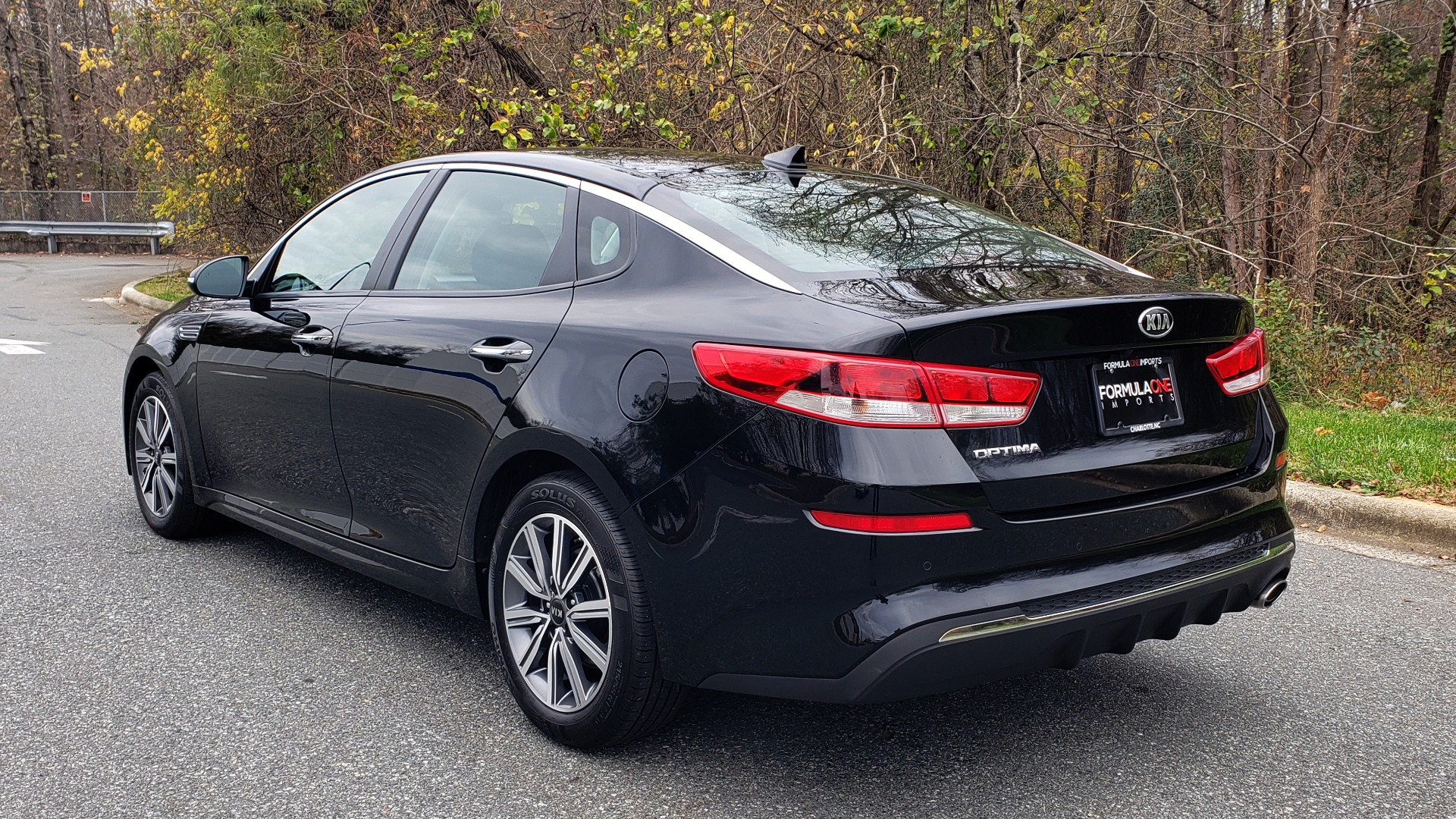 Used 2019 Kia OPTIMA LX AUTO / 2.4L 4-CYL / 6-SPD AUTO / REARVIEW / LOW MILES for sale $17,995 at Formula Imports in Charlotte NC 28227 3