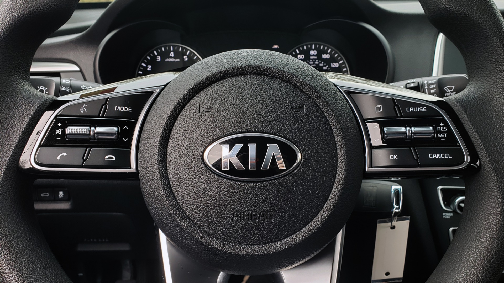 Used 2019 Kia OPTIMA LX AUTO / 2.4L 4-CYL / 6-SPD AUTO / REARVIEW / LOW MILES for sale $17,995 at Formula Imports in Charlotte NC 28227 35