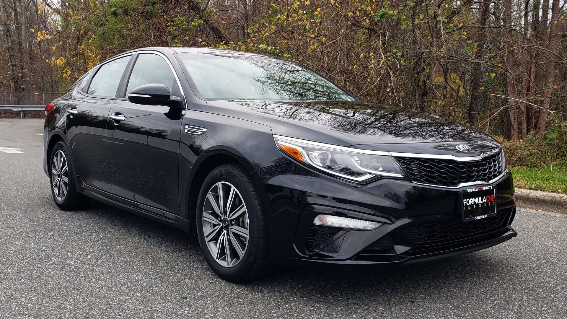 Used 2019 Kia OPTIMA LX AUTO / 2.4L 4-CYL / 6-SPD AUTO / REARVIEW / LOW MILES for sale $17,995 at Formula Imports in Charlotte NC 28227 4