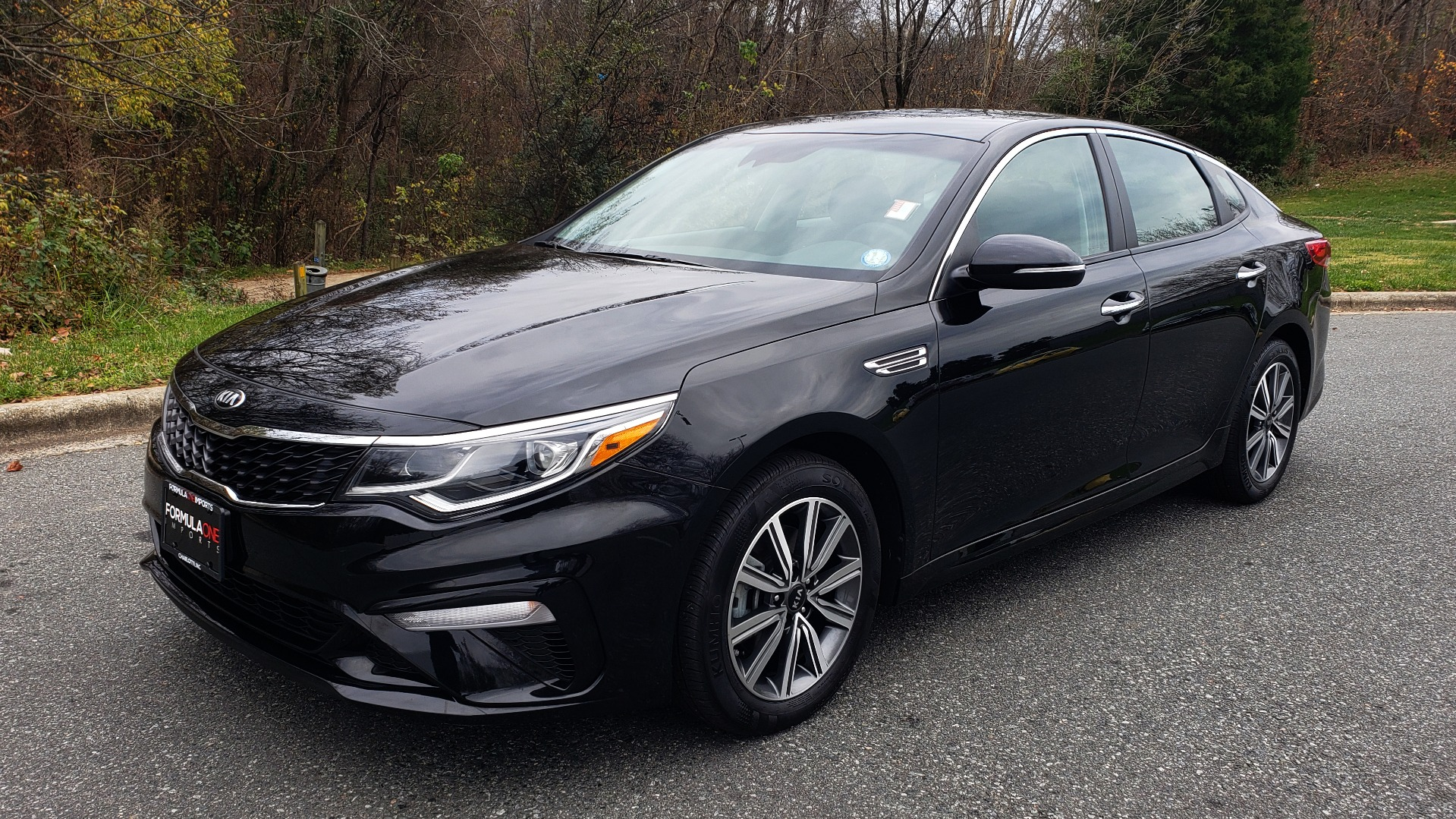 Used 2019 Kia OPTIMA LX AUTO / 2.4L 4-CYL / 6-SPD AUTO / REARVIEW / LOW MILES for sale $17,995 at Formula Imports in Charlotte NC 28227 1