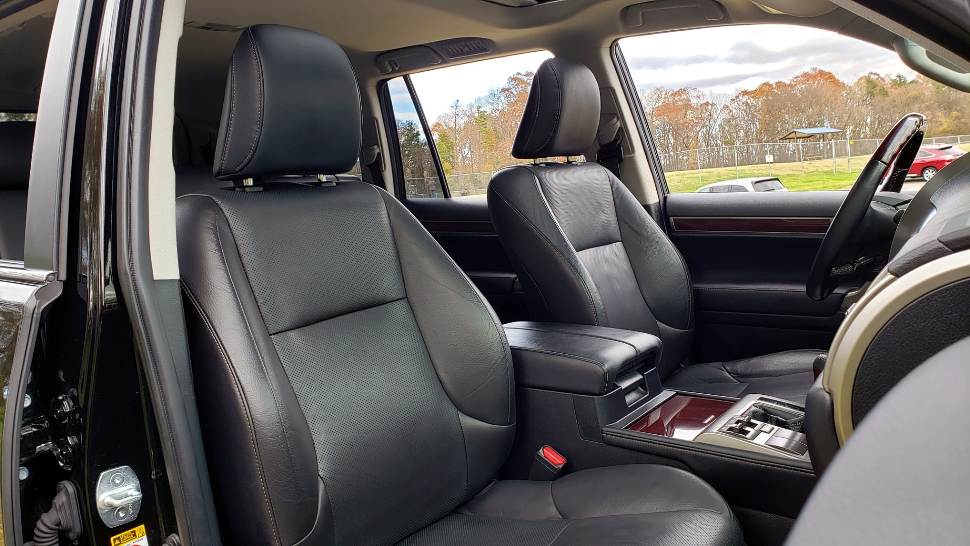 Used 2017 Lexus GX 460 PREMIUM / 4WD / NAV / SUNROOF / 3-ROW / BSM / REARVIEW for sale $34,995 at Formula Imports in Charlotte NC 28227 69