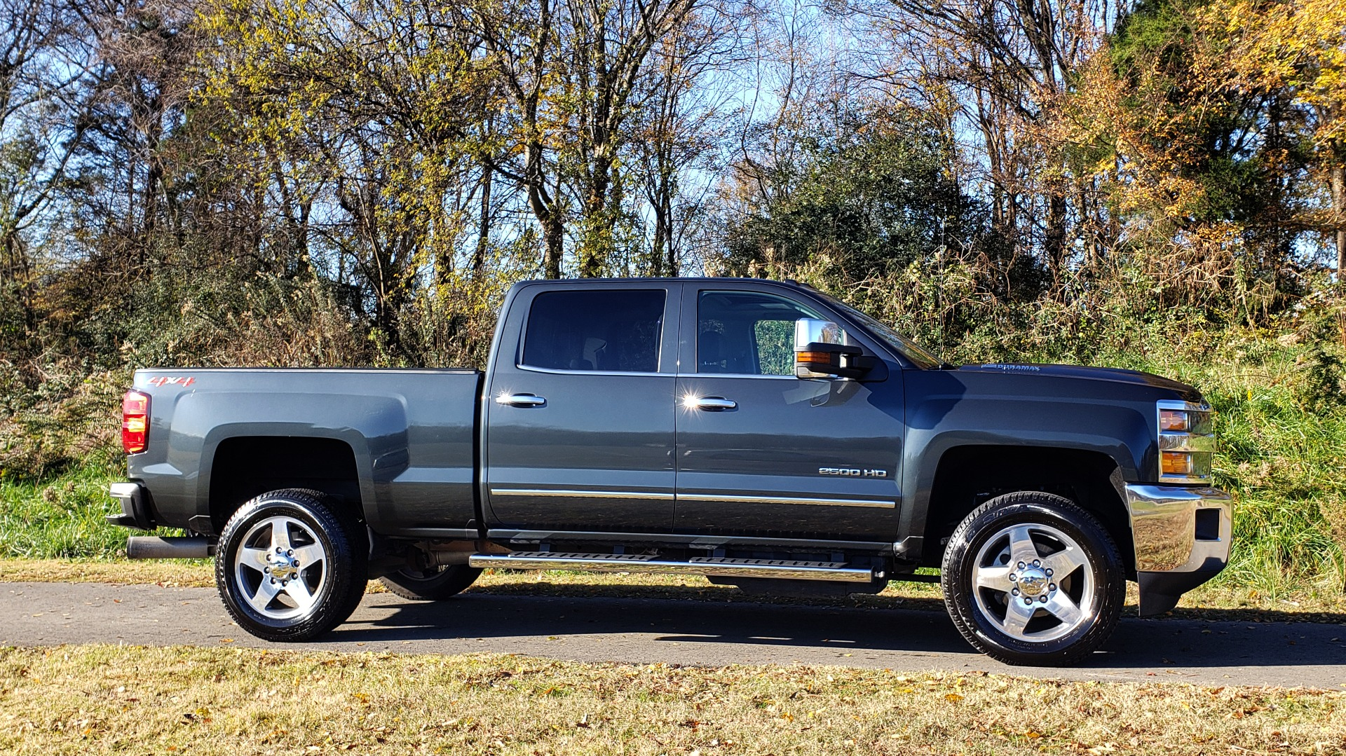 Used 2018 Chevrolet SILVERADO 2500HD LTZ 4WD CREWCAB / DURAMAX / ALLISON / NAV / BOSE / SUNROOF for sale Sold at Formula Imports in Charlotte NC 28227 5