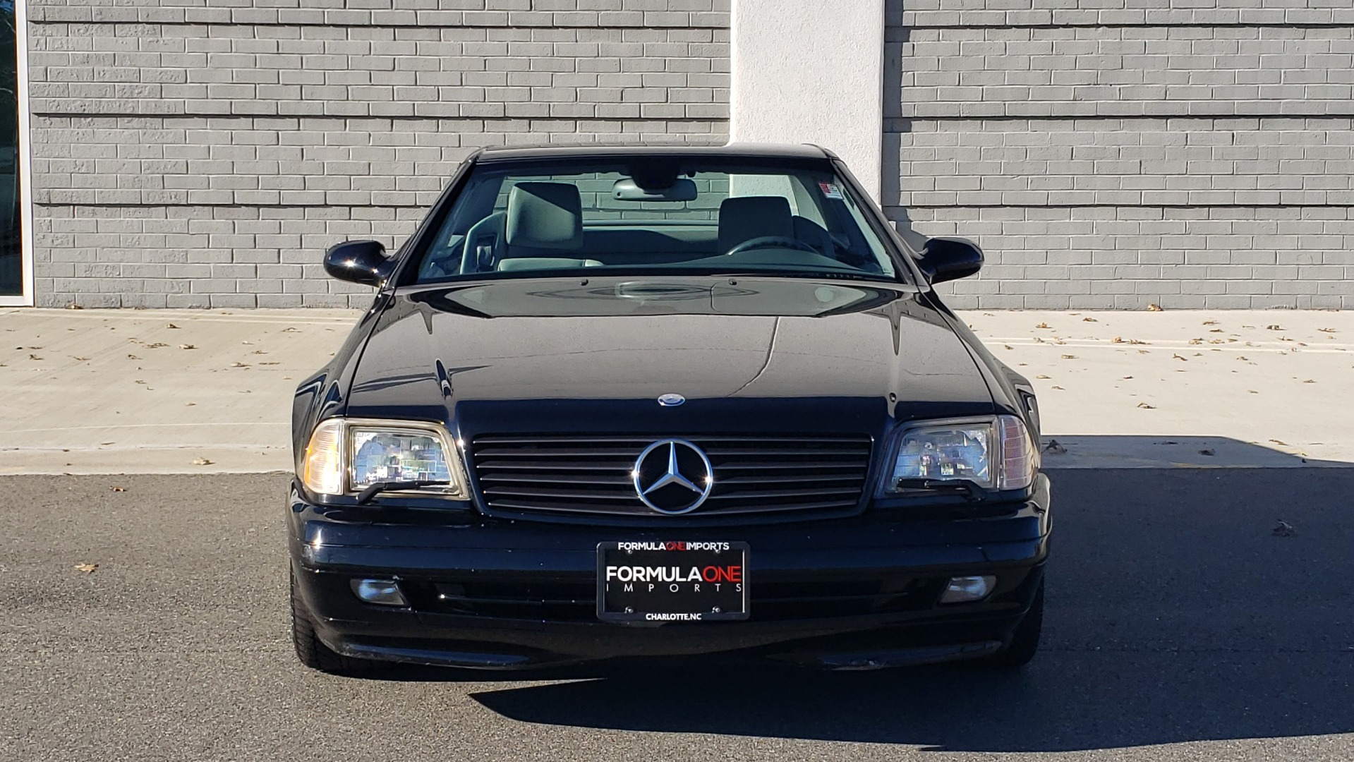 Used 1999 Mercedes-Benz SL-CLASS ROADSTER / 5.0L V8 (302HP) / 5-SPD AUTO / 18IN WHEELS for sale Sold at Formula Imports in Charlotte NC 28227 23