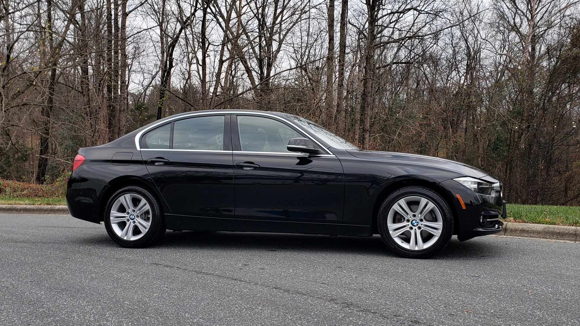 Used 2017 BMW 3 SERIES 330I XDRIVE / AWD / HEATED SEATS / LOW MILES for sale $23,495 at Formula Imports in Charlotte NC 28227 5