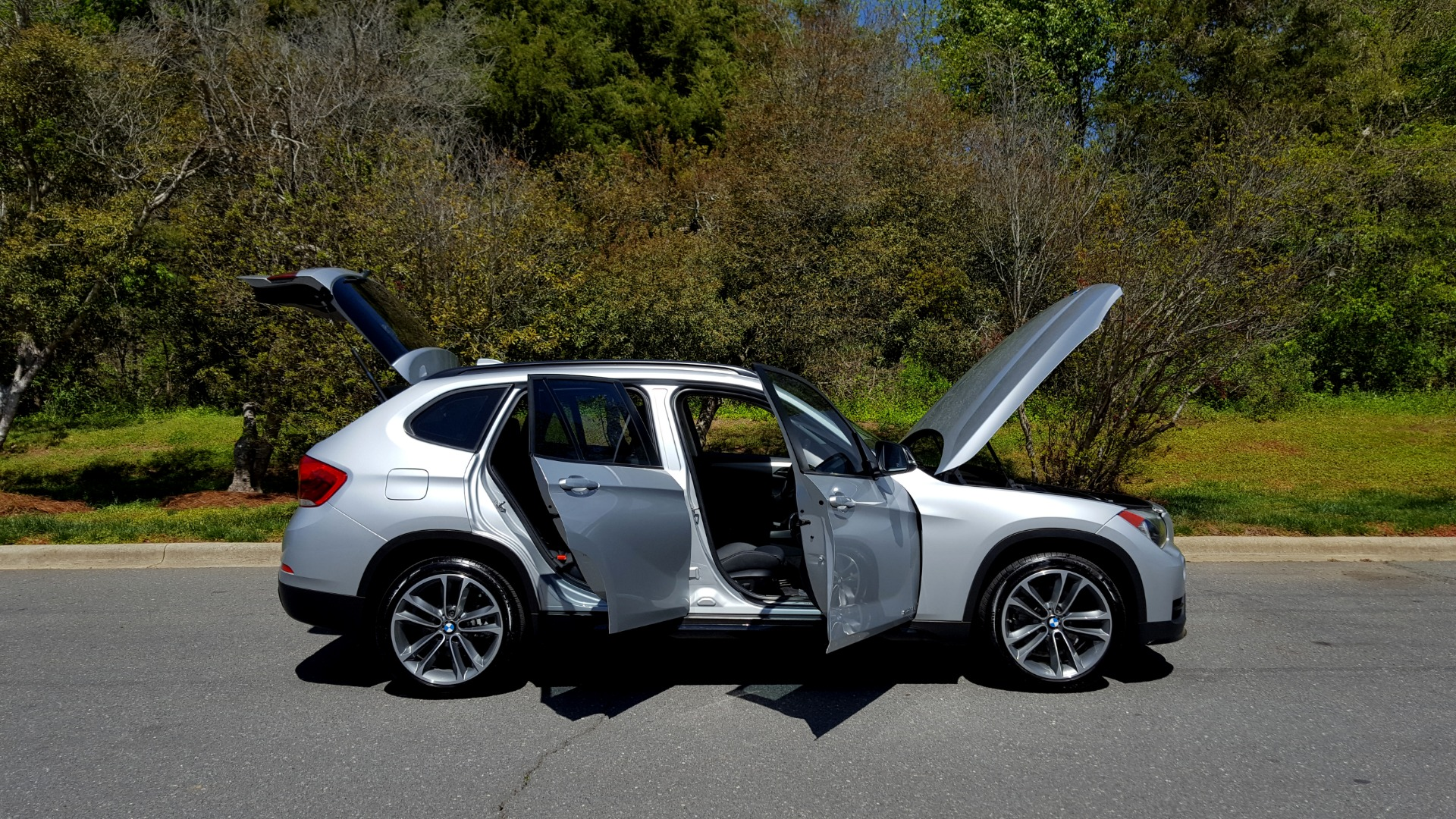 Used 2015 BMW X1 SDRIVE28I / SPORT LINE / PANO-ROOF / HTD STS / DUAL-ZONE CLIMATE for sale Sold at Formula Imports in Charlotte NC 28227 11