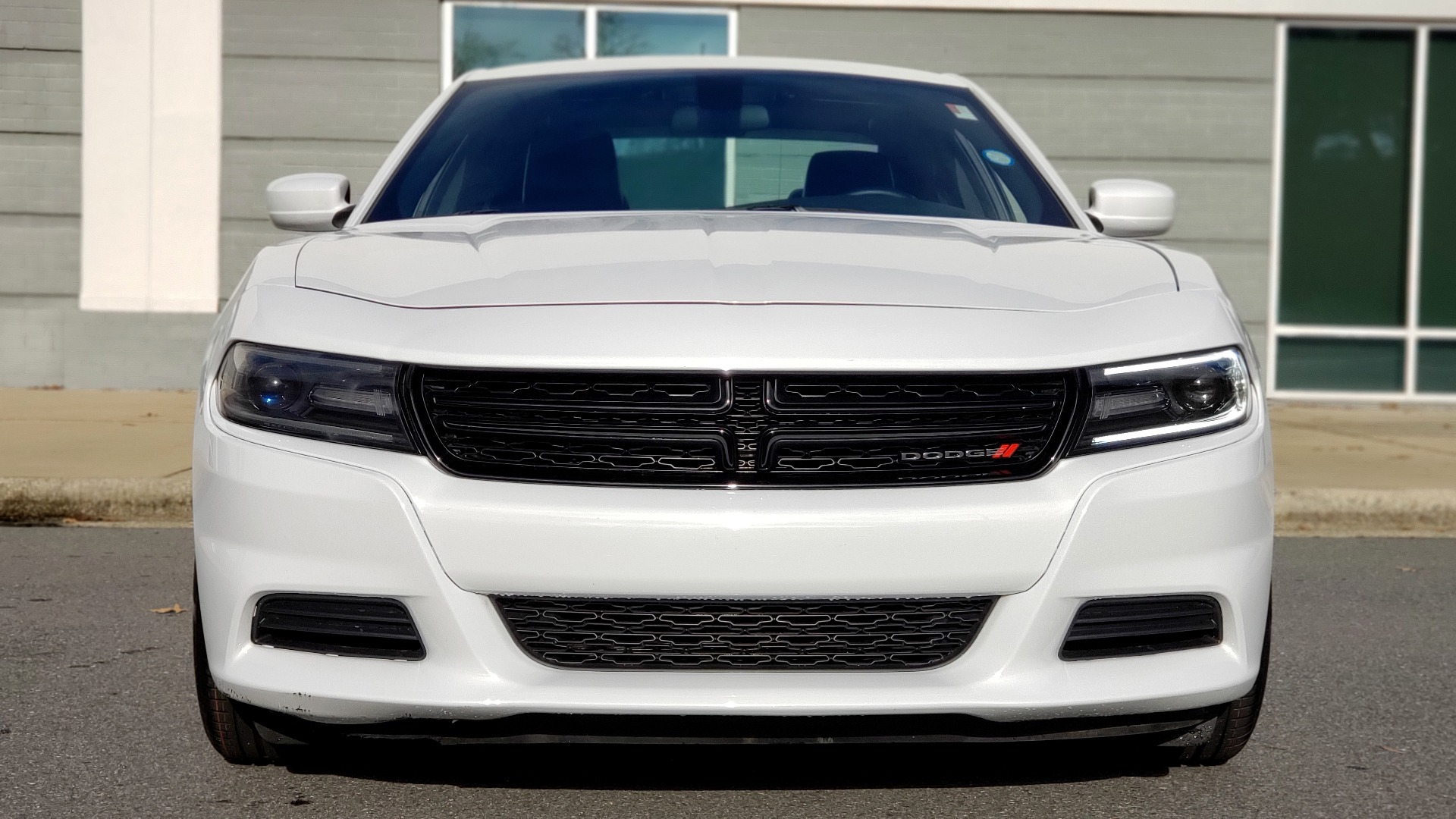 Used 2020 Dodge CHARGER SXT / RWD / V6 / 8-SPD AUTO / LTHR / HTD STS / SUNROOF / REARVIEW for sale $25,995 at Formula Imports in Charlotte NC 28227 18
