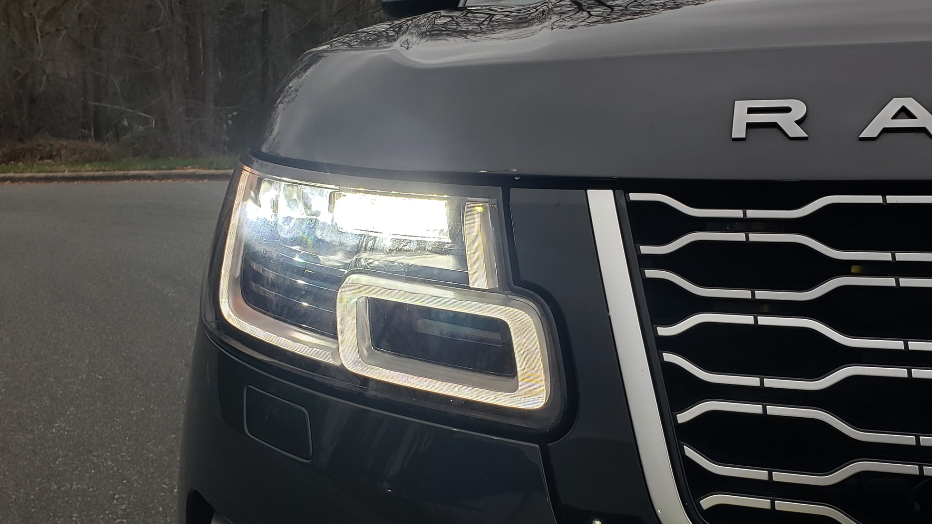 Used 2018 Land Rover RANGE ROVER AUTOBIOGRAPHY SC V8 / LONG / NAV / PANOROOF / ENT SYS / REARVIEW for sale $117,999 at Formula Imports in Charlotte NC 28227 25