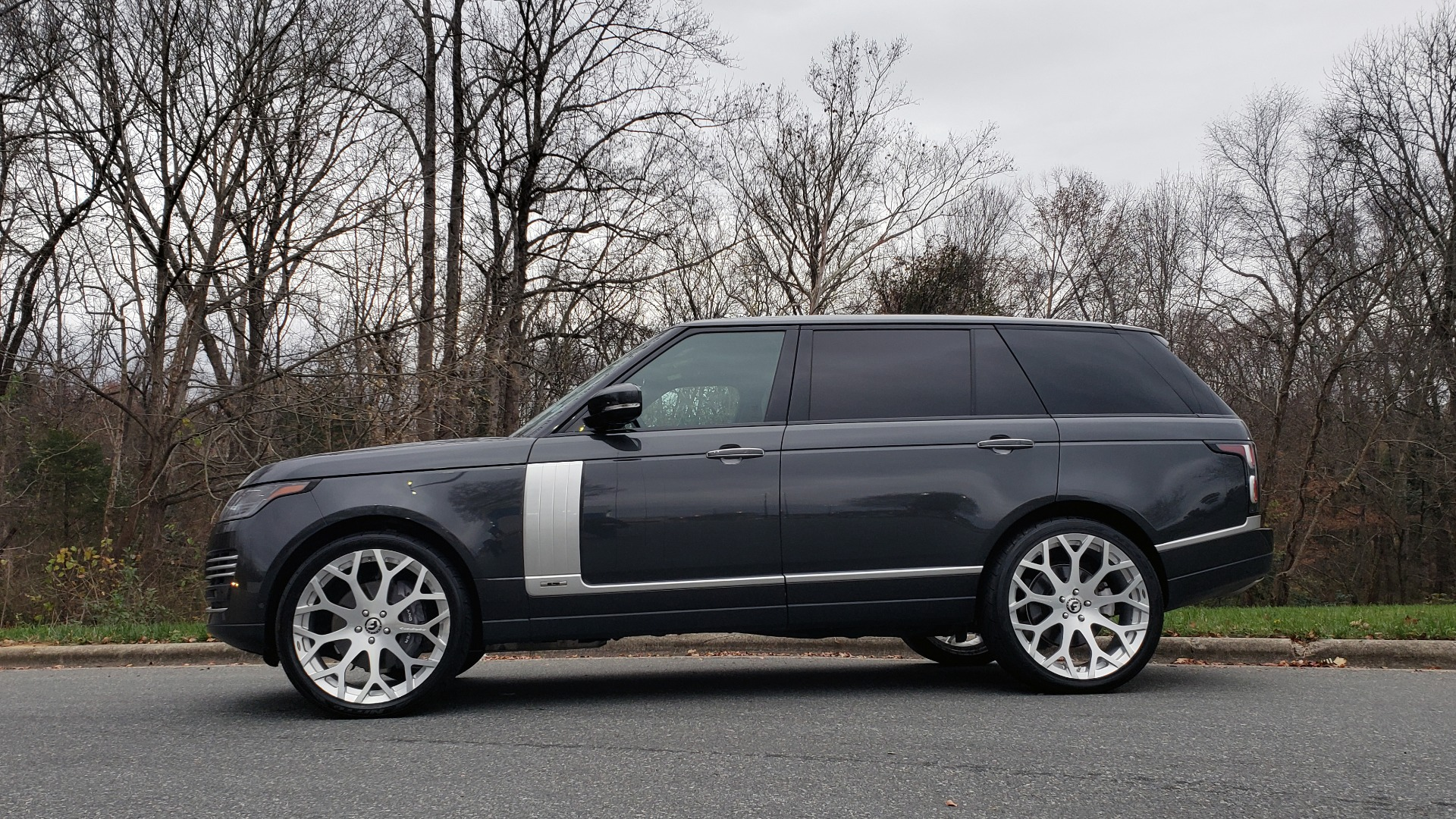 Used 2018 Land Rover RANGE ROVER AUTOBIOGRAPHY SC V8 / LONG / NAV / PANOROOF / ENT SYS / REARVIEW for sale $117,999 at Formula Imports in Charlotte NC 28227 3