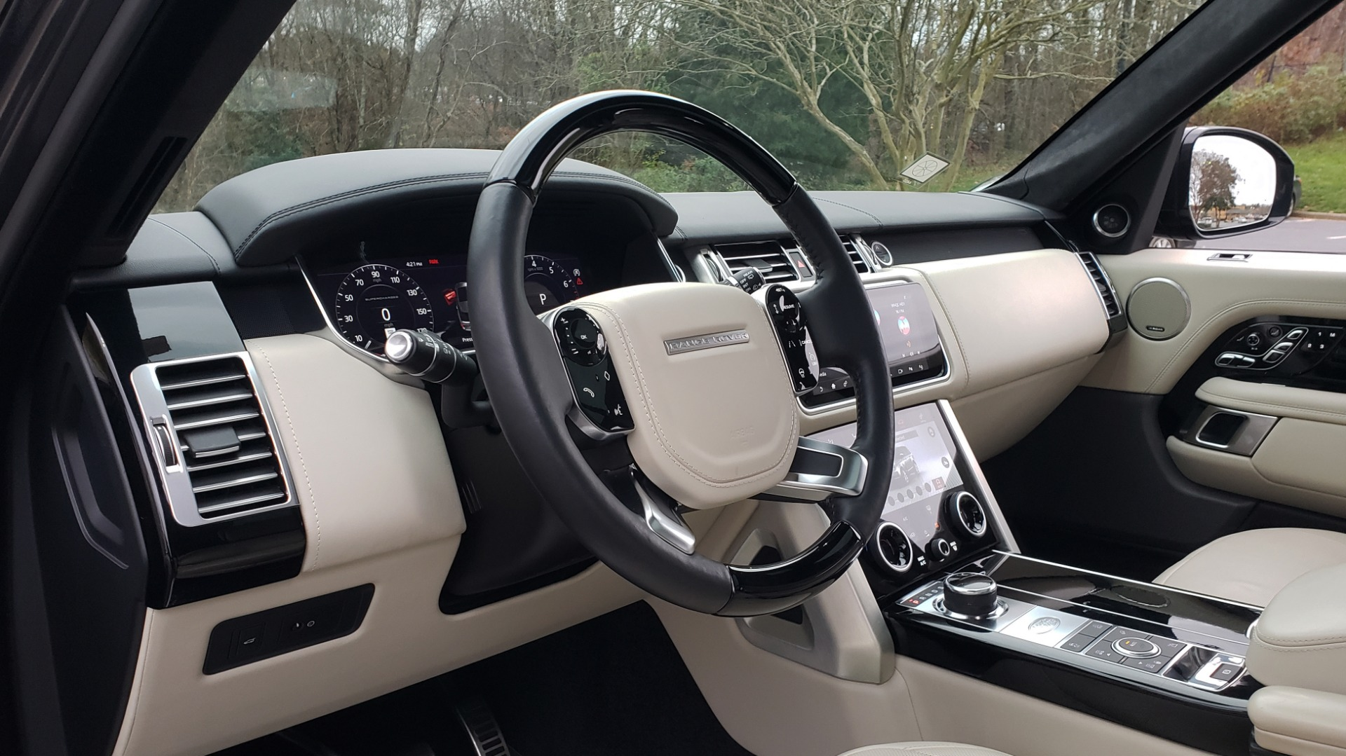 Used 2018 Land Rover RANGE ROVER AUTOBIOGRAPHY SC V8 / LONG / NAV / PANOROOF / ENT SYS / REARVIEW for sale $117,999 at Formula Imports in Charlotte NC 28227 44