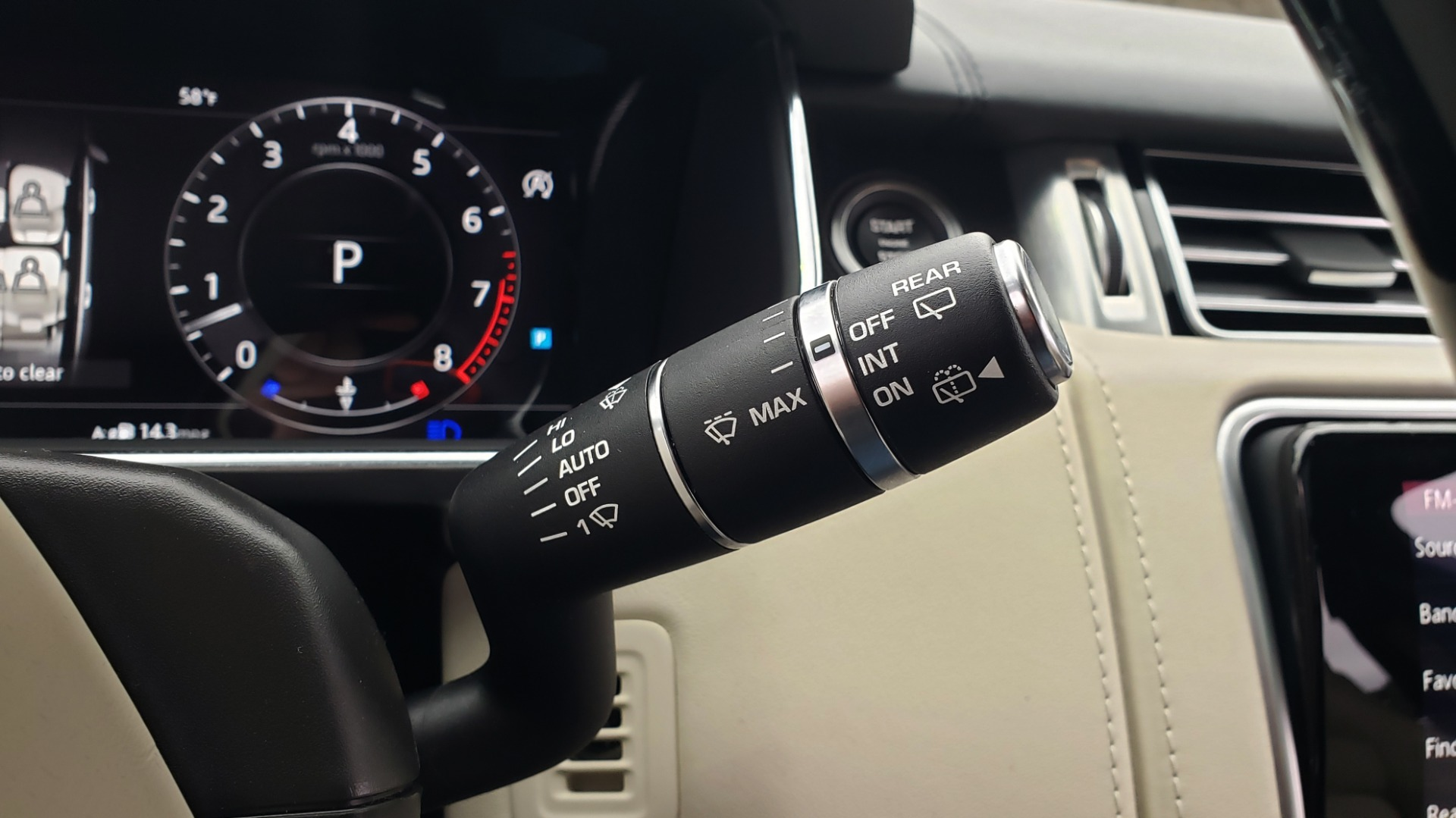 Used 2018 Land Rover RANGE ROVER AUTOBIOGRAPHY SC V8 / LONG / NAV / PANOROOF / ENT SYS / REARVIEW for sale $117,999 at Formula Imports in Charlotte NC 28227 52