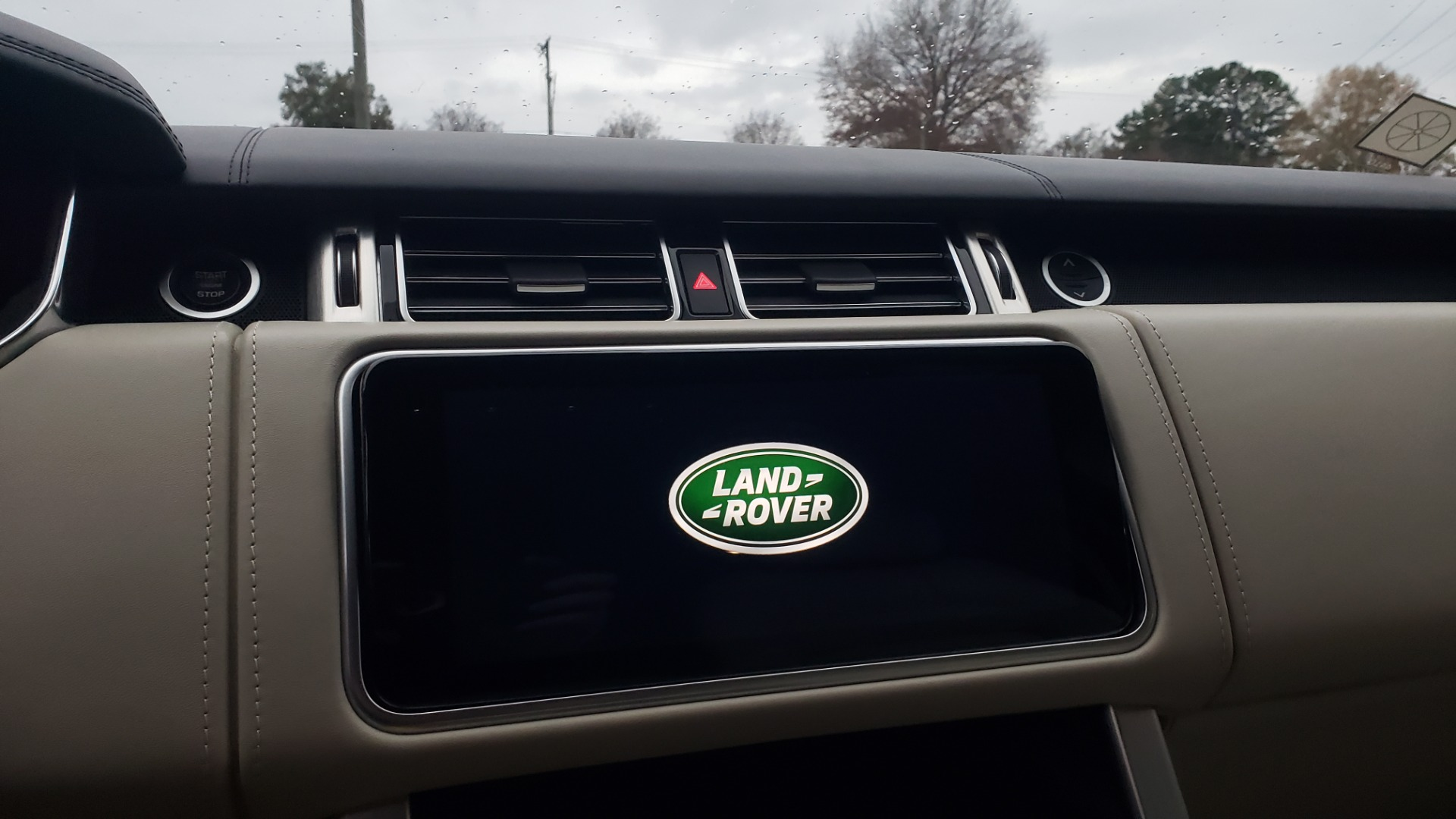 Used 2018 Land Rover RANGE ROVER AUTOBIOGRAPHY SC V8 / LONG / NAV / PANOROOF / ENT SYS / REARVIEW for sale $117,999 at Formula Imports in Charlotte NC 28227 58