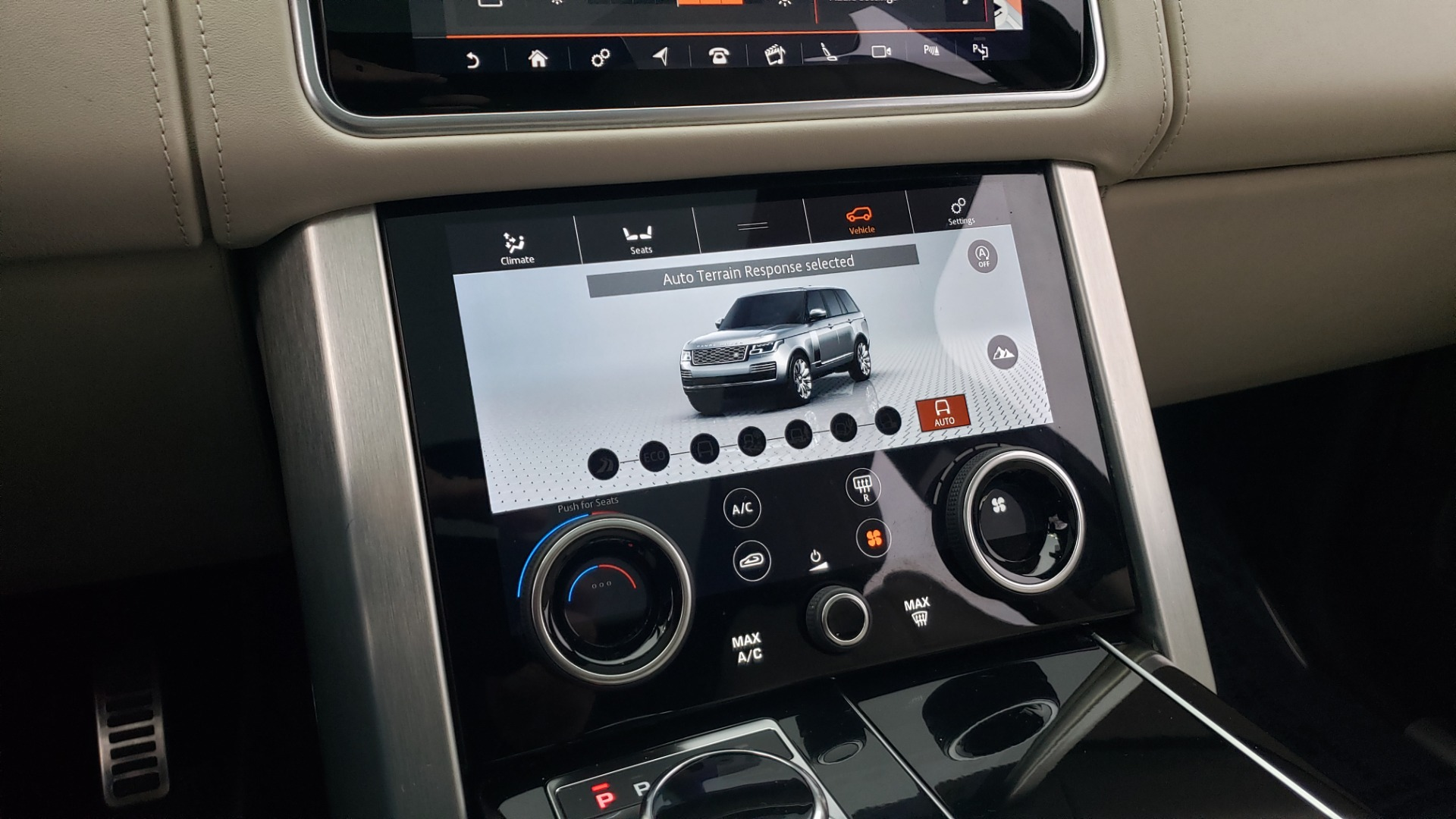 Used 2018 Land Rover RANGE ROVER AUTOBIOGRAPHY SC V8 / LONG / NAV / PANOROOF / ENT SYS / REARVIEW for sale $117,999 at Formula Imports in Charlotte NC 28227 59