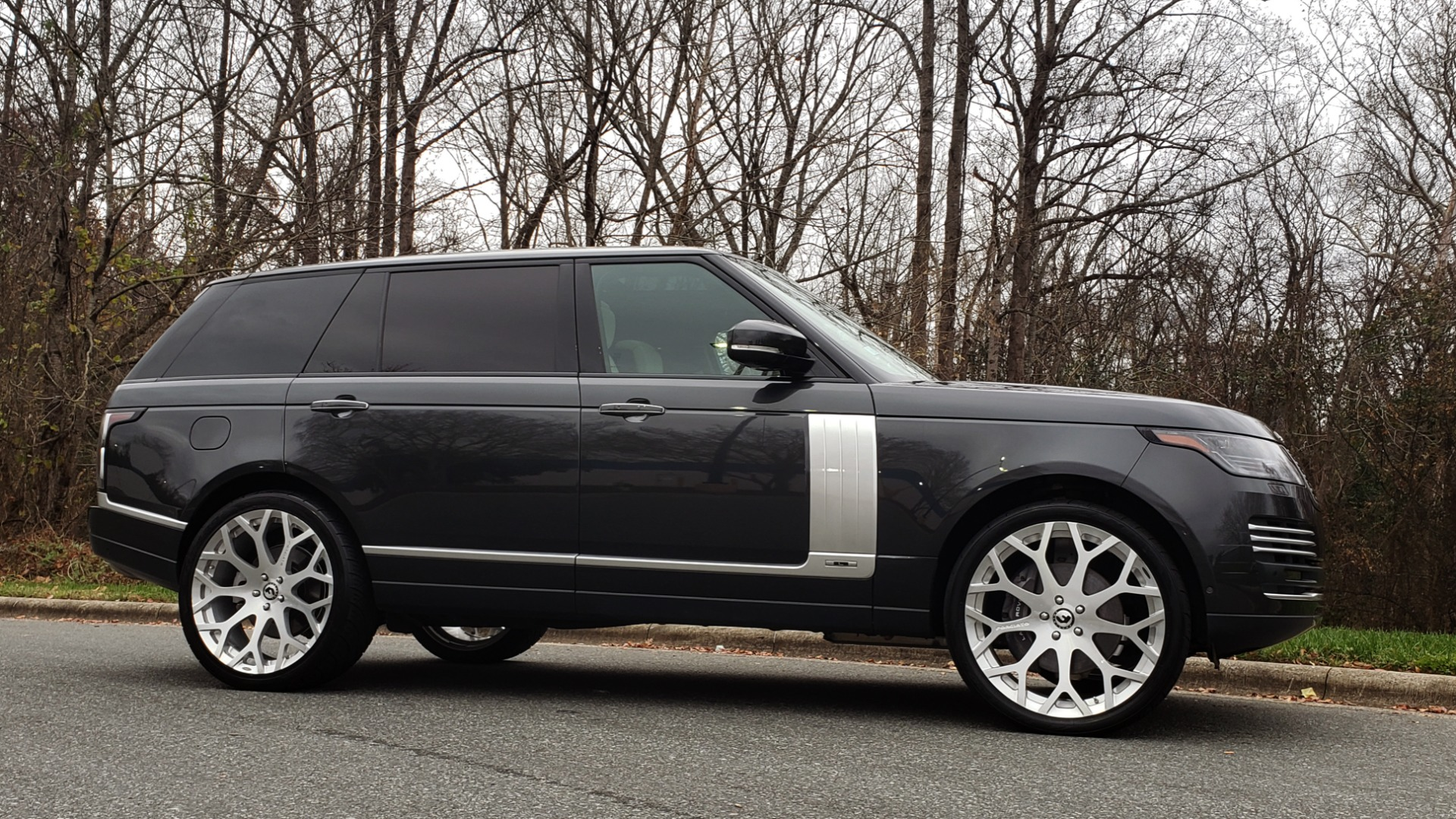 Used 2018 Land Rover RANGE ROVER AUTOBIOGRAPHY SC V8 / LONG / NAV / PANOROOF / ENT SYS / REARVIEW for sale $117,999 at Formula Imports in Charlotte NC 28227 6