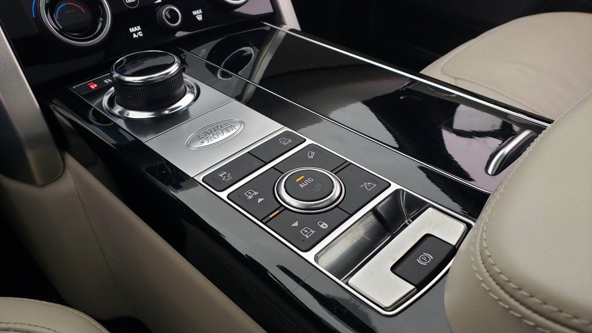 Used 2018 Land Rover RANGE ROVER AUTOBIOGRAPHY SC V8 / LONG / NAV / PANOROOF / ENT SYS / REARVIEW for sale $117,999 at Formula Imports in Charlotte NC 28227 60