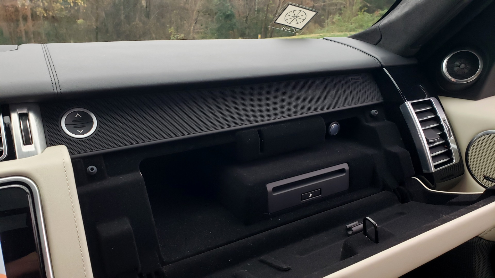 Used 2018 Land Rover RANGE ROVER AUTOBIOGRAPHY SC V8 / LONG / NAV / PANOROOF / ENT SYS / REARVIEW for sale $117,999 at Formula Imports in Charlotte NC 28227 61