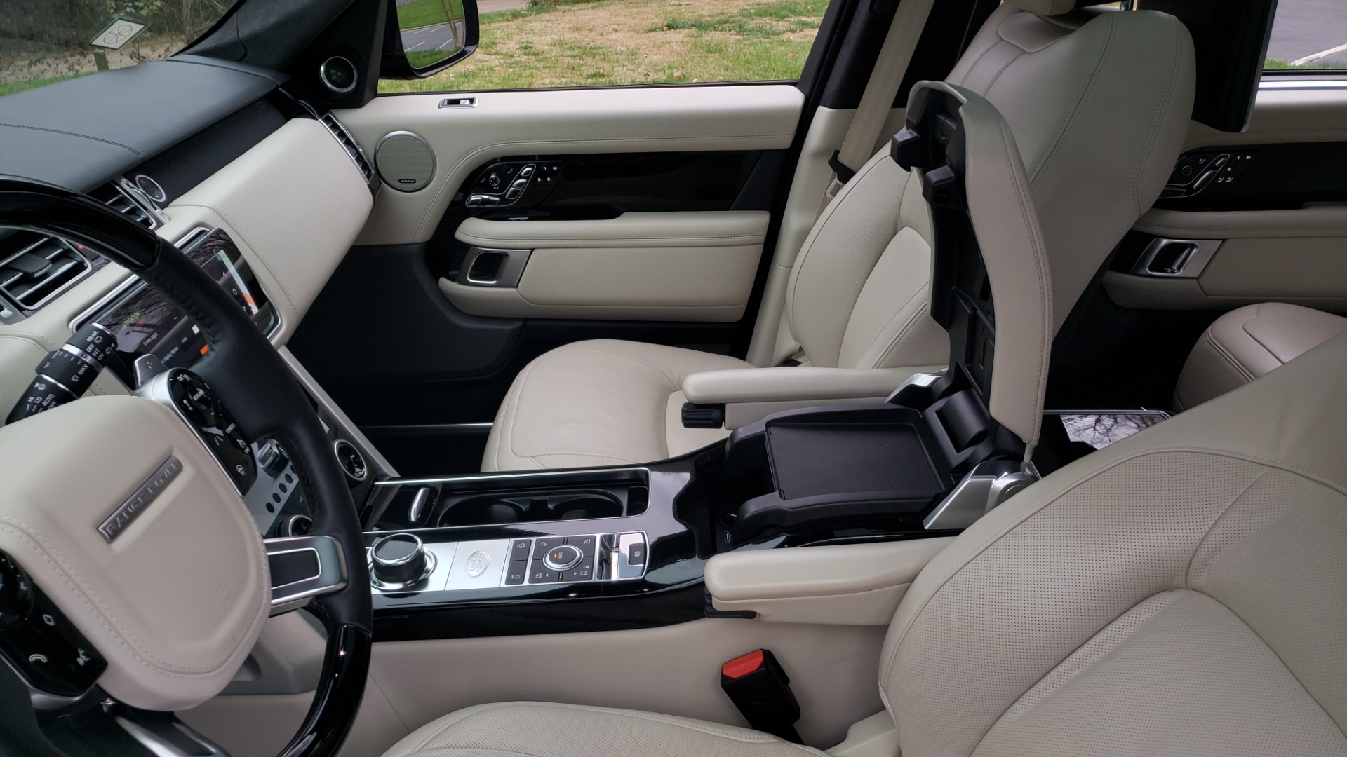 Used 2018 Land Rover RANGE ROVER AUTOBIOGRAPHY SC V8 / LONG / NAV / PANOROOF / ENT SYS / REARVIEW for sale $117,999 at Formula Imports in Charlotte NC 28227 67