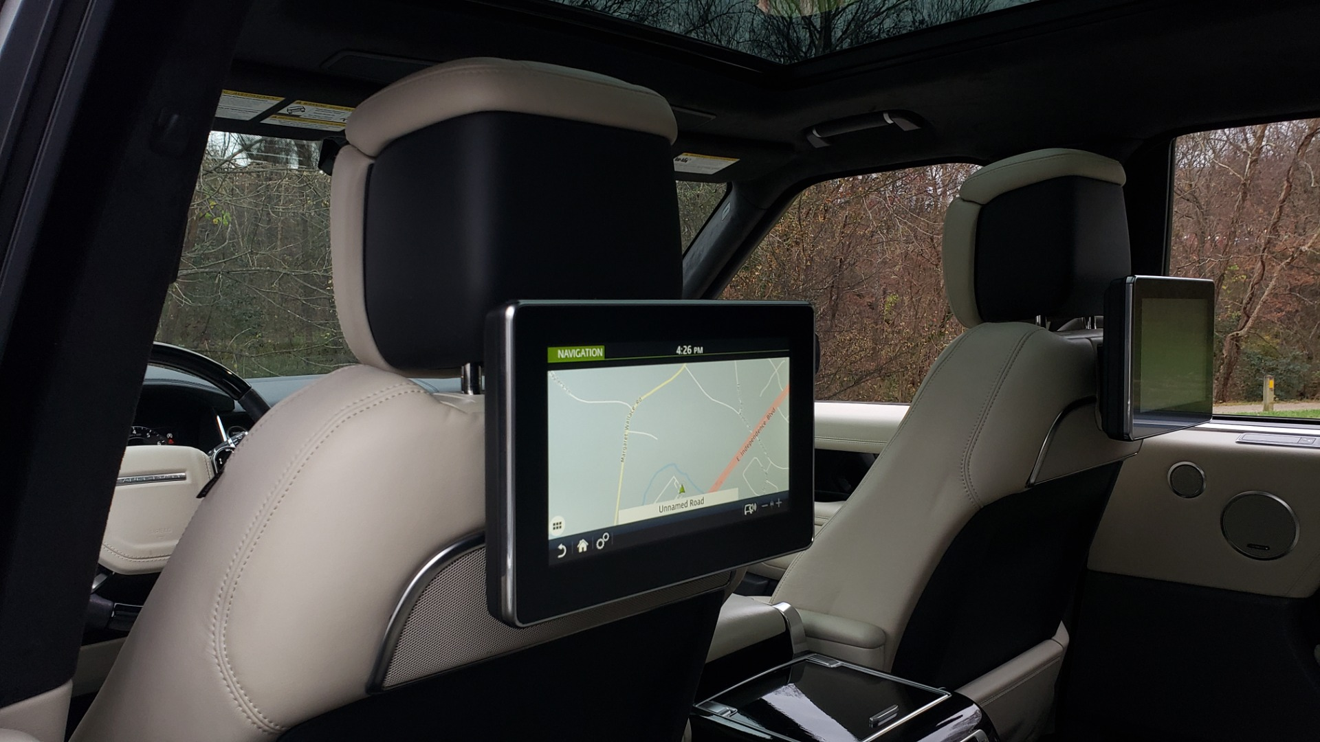 Used 2018 Land Rover RANGE ROVER AUTOBIOGRAPHY SC V8 / LONG / NAV / PANOROOF / ENT SYS / REARVIEW for sale $117,999 at Formula Imports in Charlotte NC 28227 71