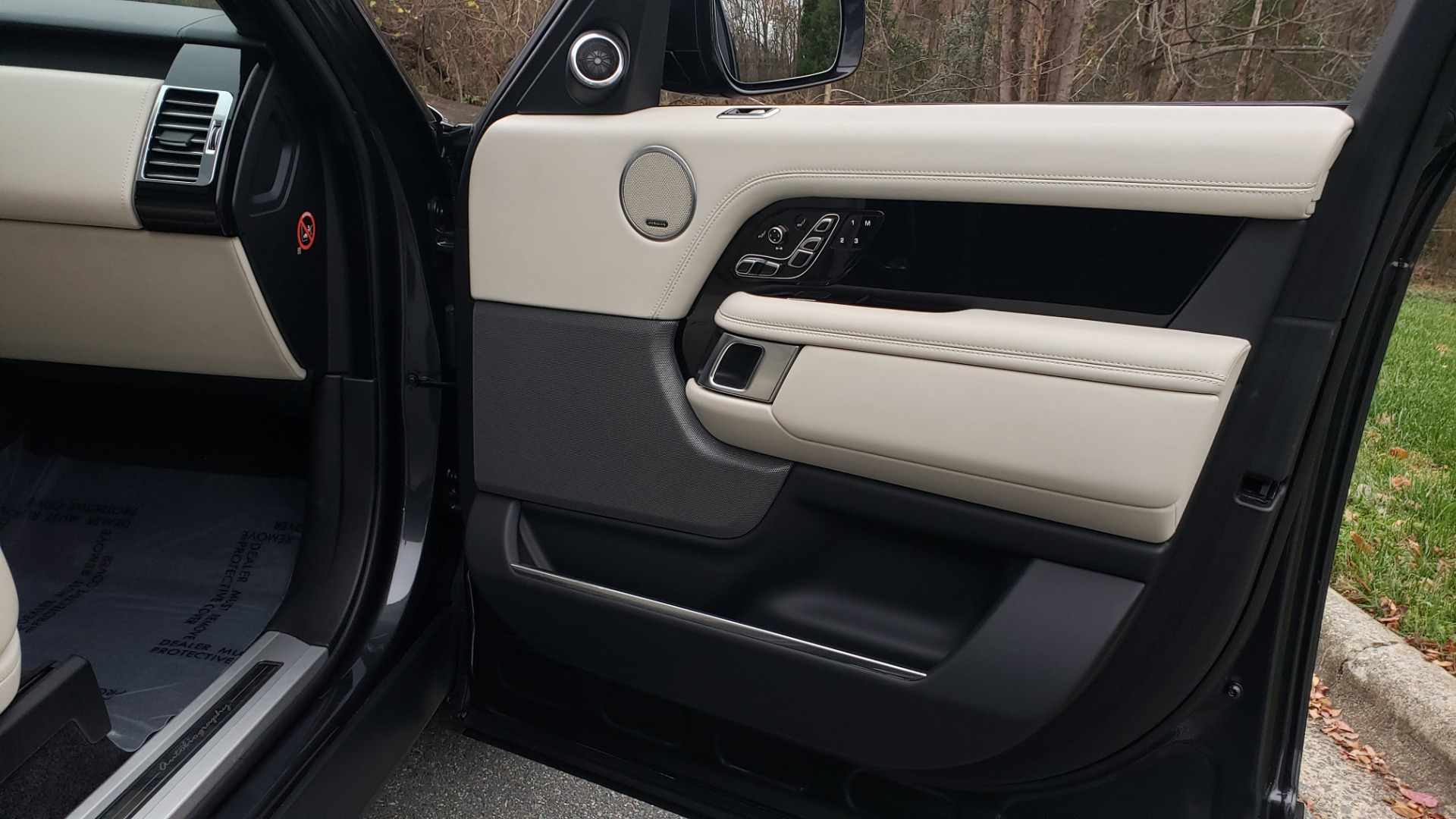 Used 2018 Land Rover RANGE ROVER AUTOBIOGRAPHY SC V8 / LONG / NAV / PANOROOF / ENT SYS / REARVIEW for sale $117,999 at Formula Imports in Charlotte NC 28227 75