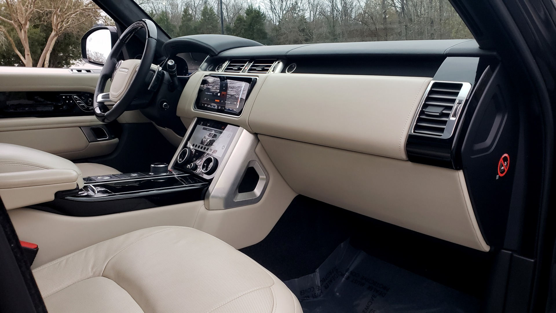 Used 2018 Land Rover RANGE ROVER AUTOBIOGRAPHY SC V8 / LONG / NAV / PANOROOF / ENT SYS / REARVIEW for sale $117,999 at Formula Imports in Charlotte NC 28227 79