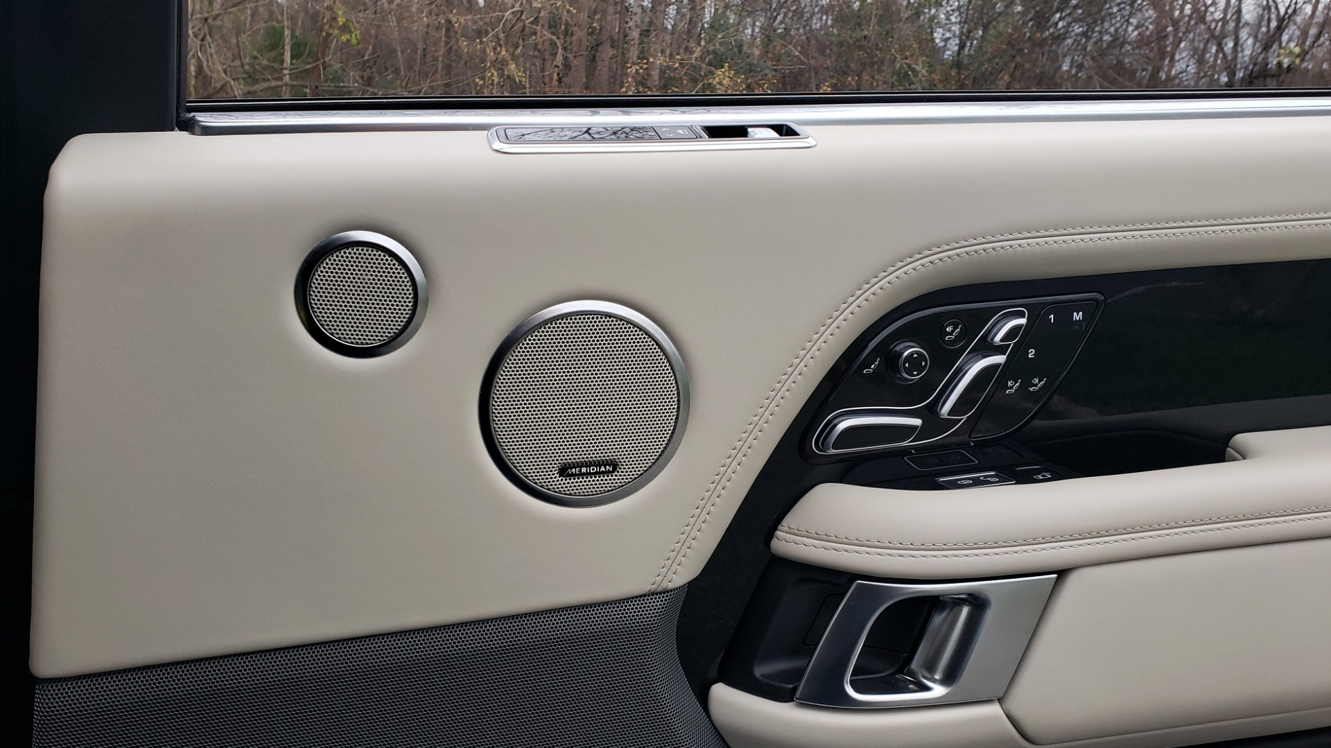 Used 2018 Land Rover RANGE ROVER AUTOBIOGRAPHY SC V8 / LONG / NAV / PANOROOF / ENT SYS / REARVIEW for sale $117,999 at Formula Imports in Charlotte NC 28227 81