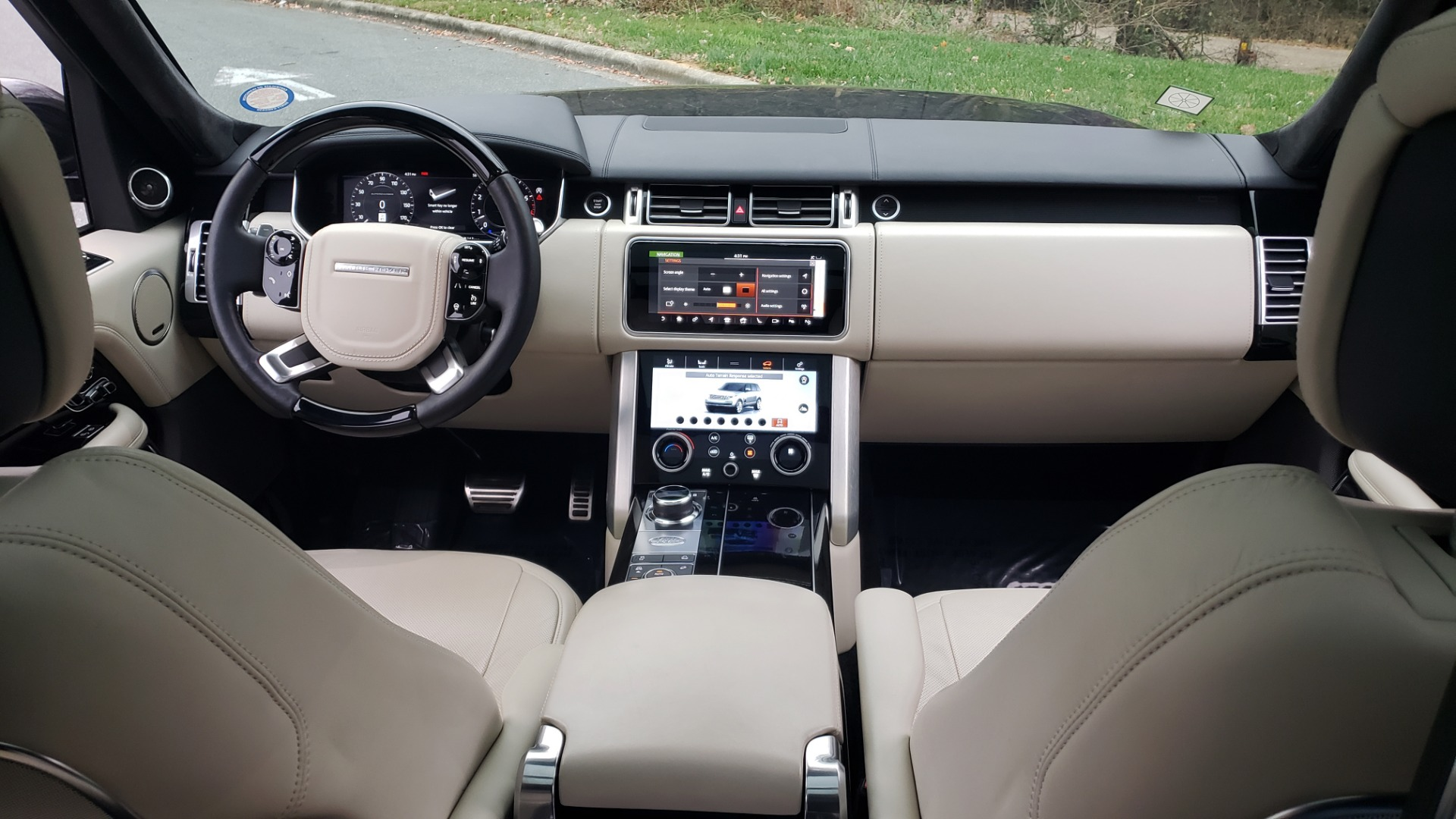 Used 2018 Land Rover RANGE ROVER AUTOBIOGRAPHY SC V8 / LONG / NAV / PANOROOF / ENT SYS / REARVIEW for sale $117,999 at Formula Imports in Charlotte NC 28227 93