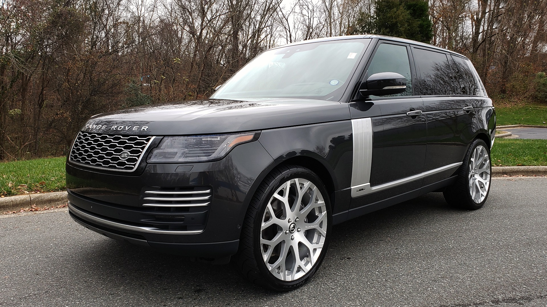 Used 2018 Land Rover RANGE ROVER AUTOBIOGRAPHY SC V8 / LONG / NAV / PANOROOF / ENT SYS / REARVIEW for sale $117,999 at Formula Imports in Charlotte NC 28227 1